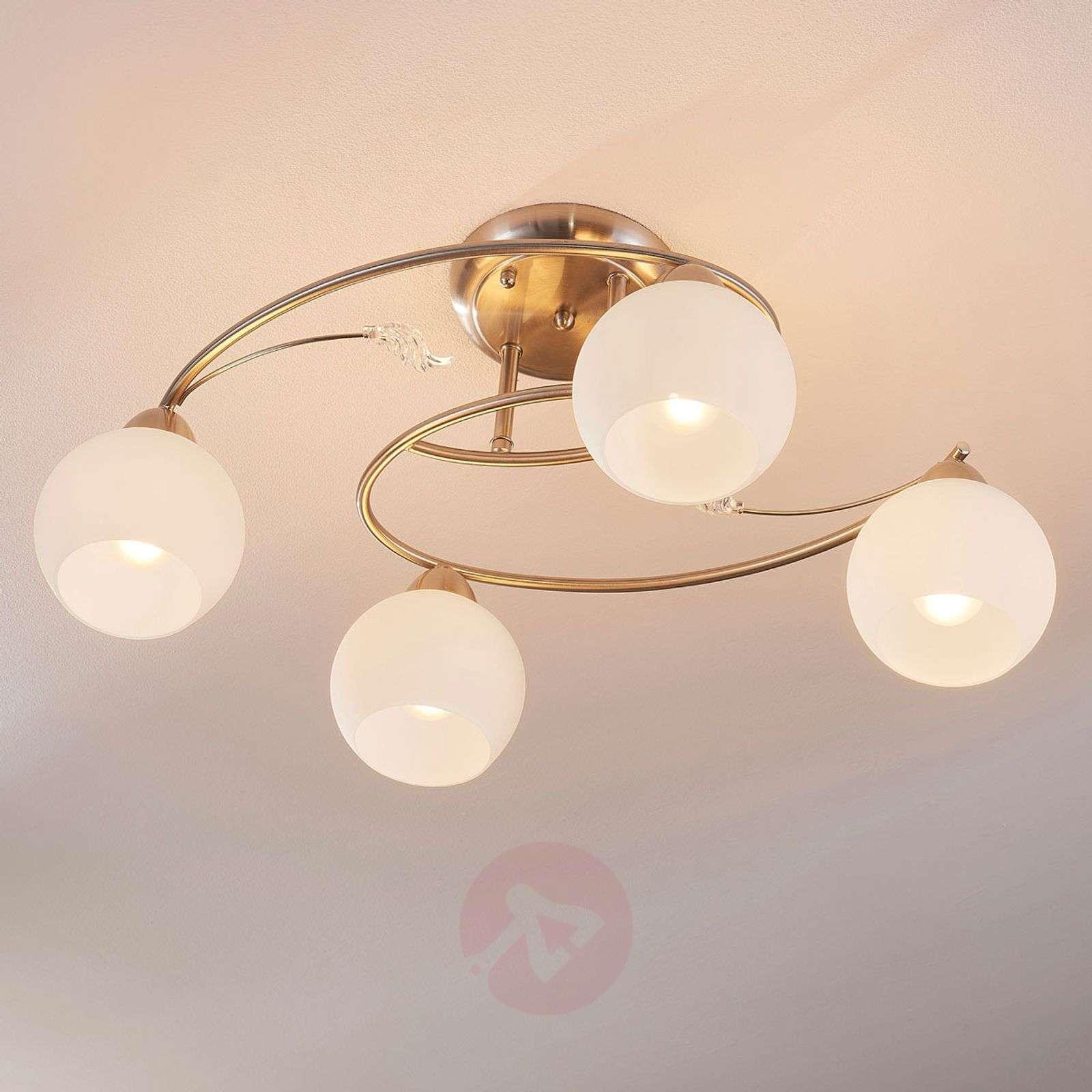 4-lamppuinen Svean kattovalaisin