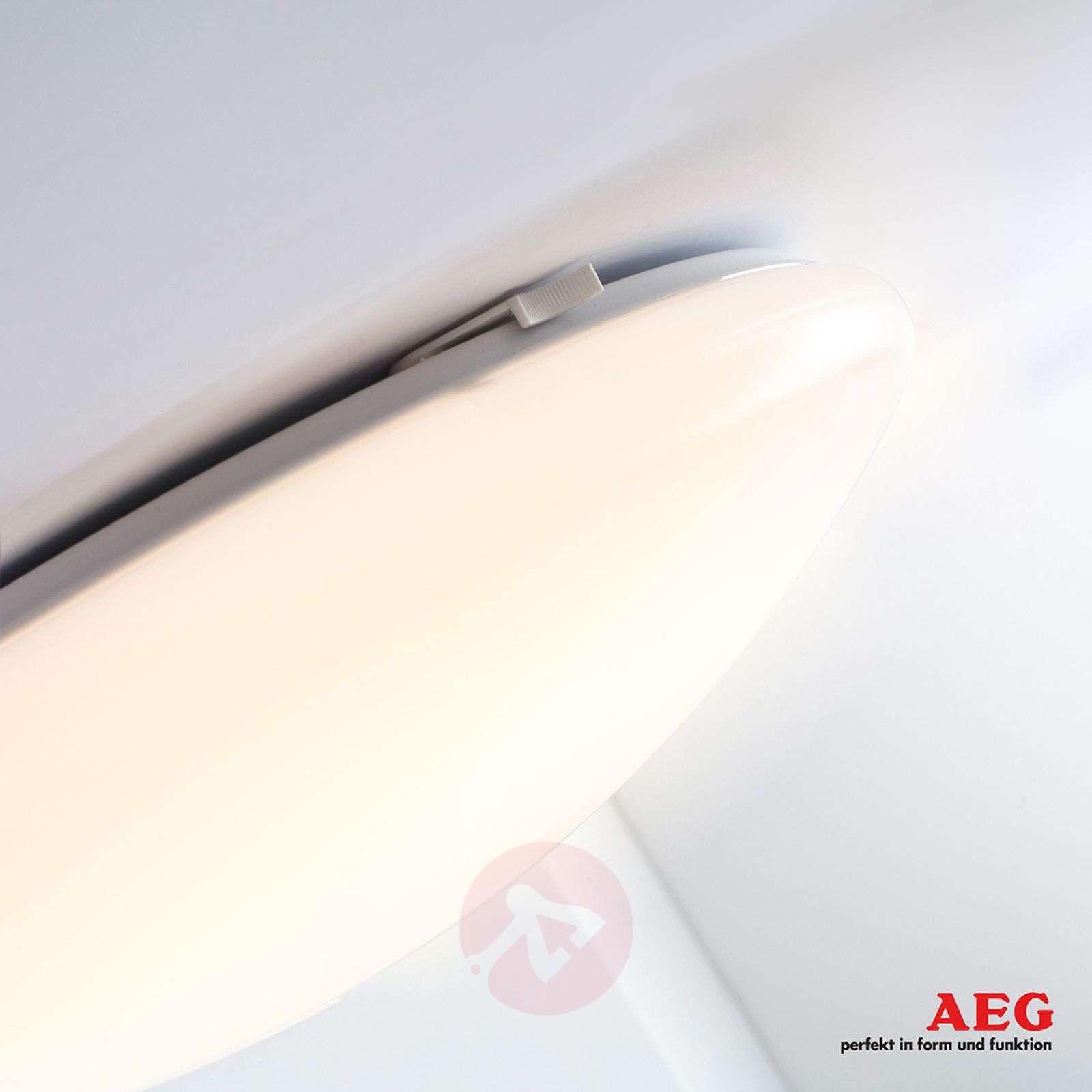 AEG LED Basic pyöreä LED-kattolamppu, 22 W-3057002-02
