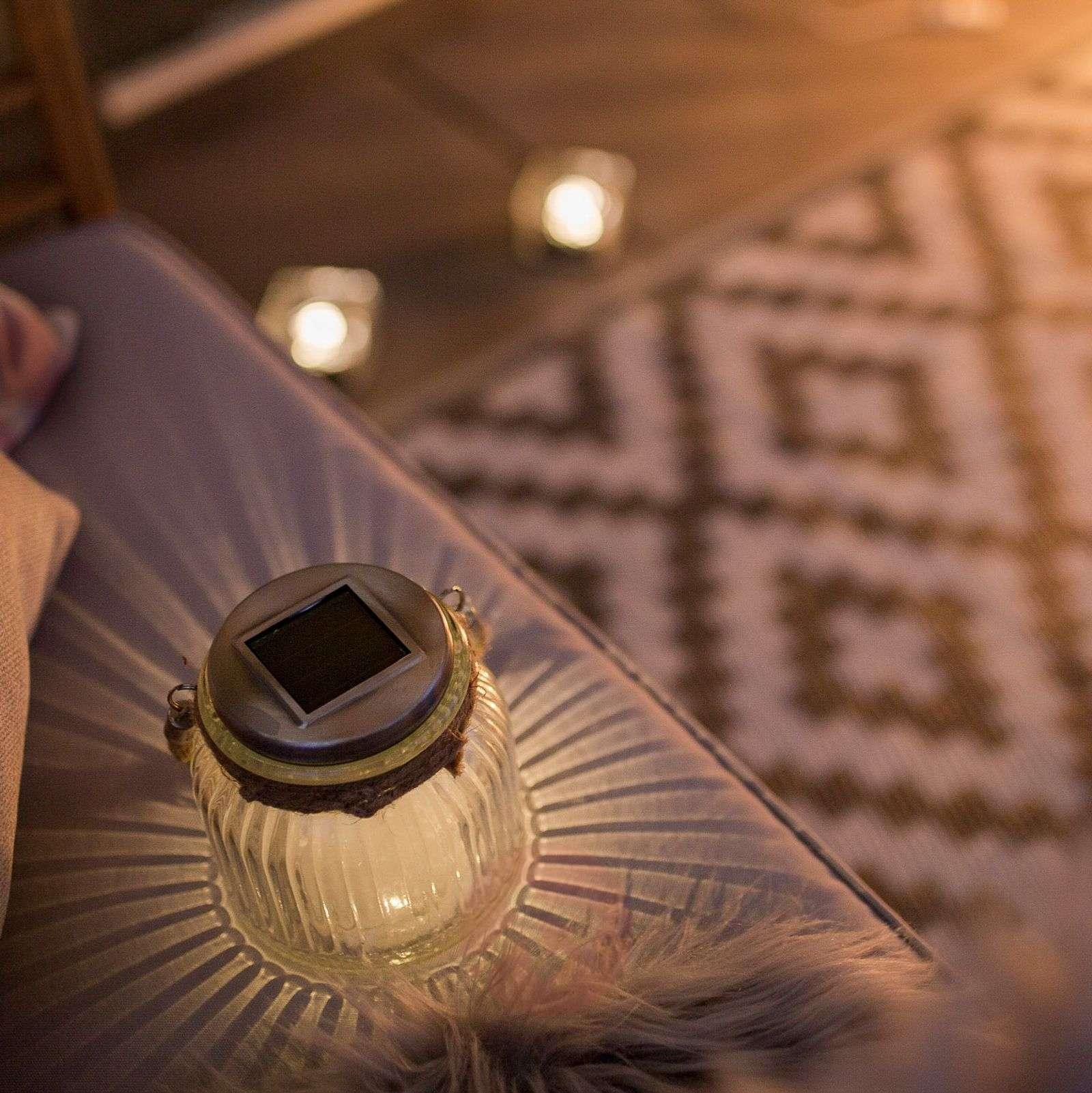Aurinkokäyttöinen lasinen LED-pöytävalaisin Jar-1522994-01