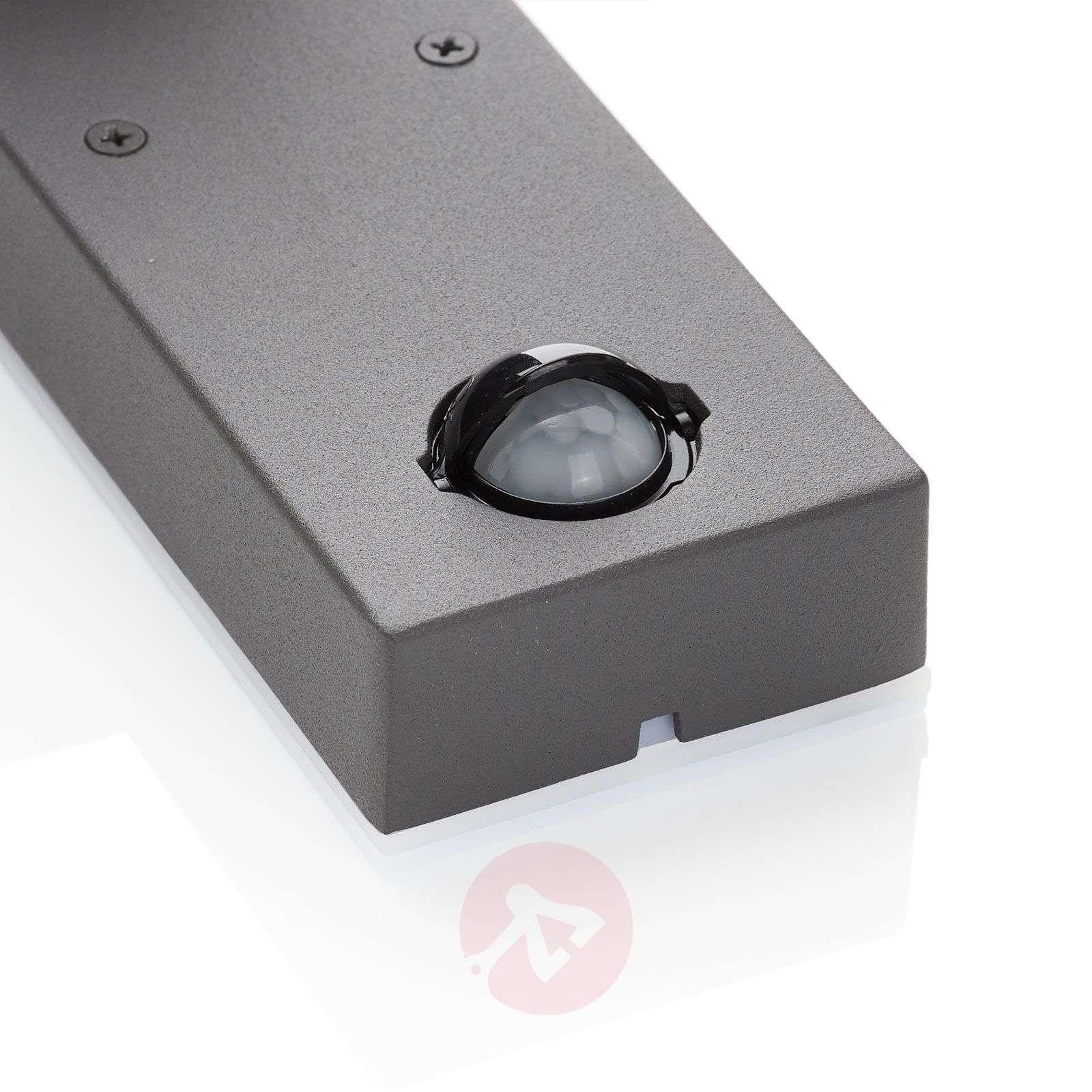 Cala LED-kohdevalaisin ulos liikeilmaisimella-1050186-01