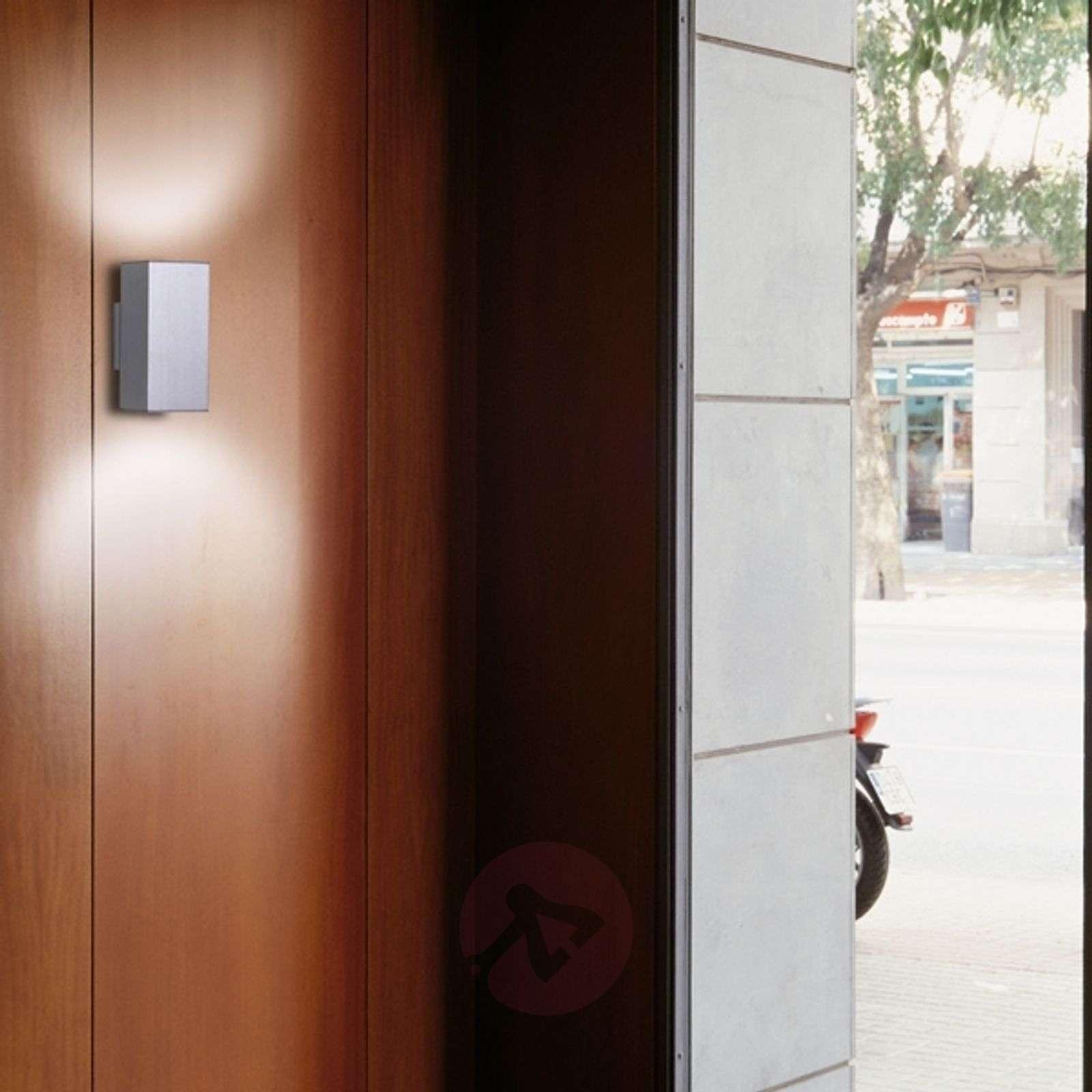Kahteen suuntaan säteilevä seinävalaisin Dau Doble-6708075X-01