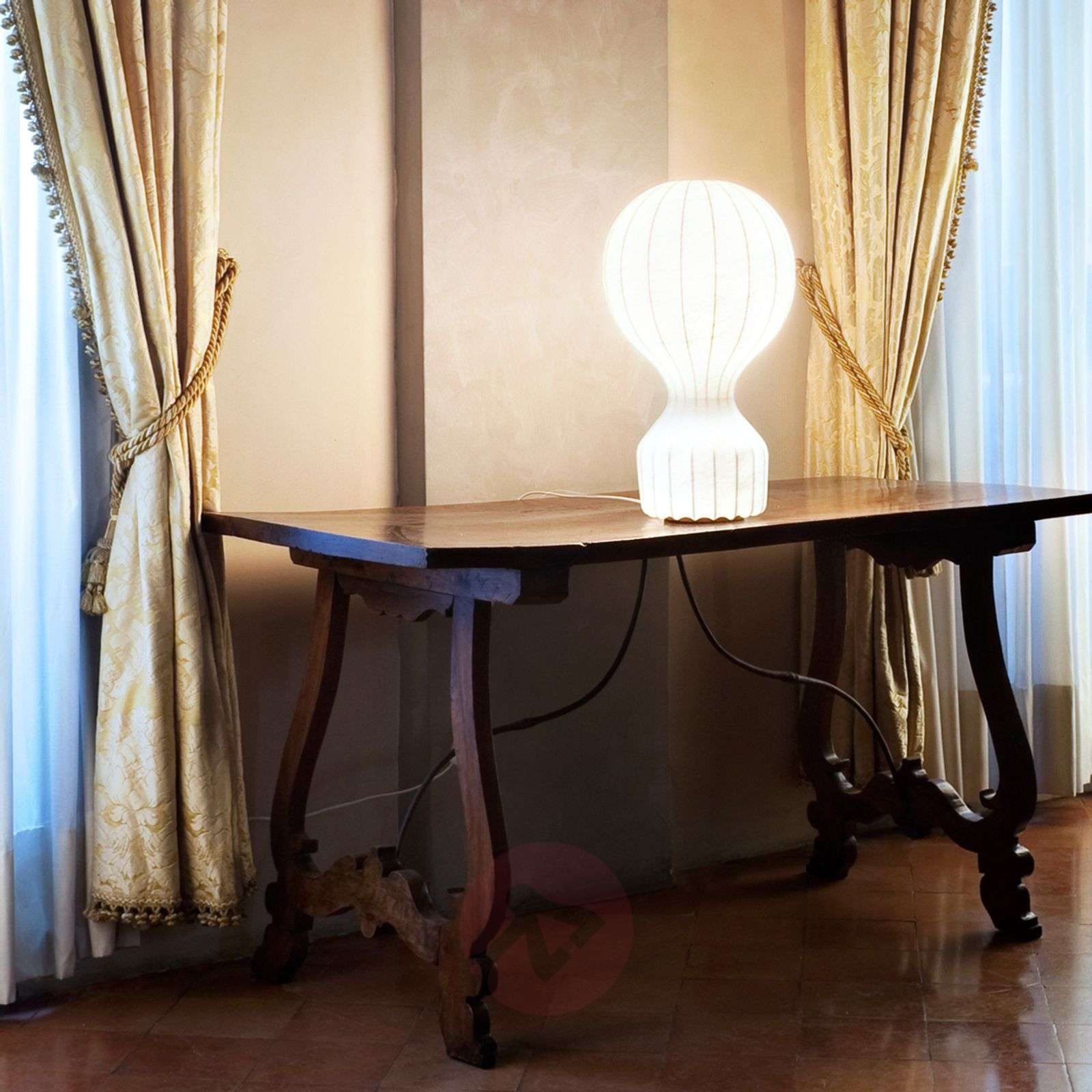 Kaunista designia Gatto-pöytävalalsin-3510350-01