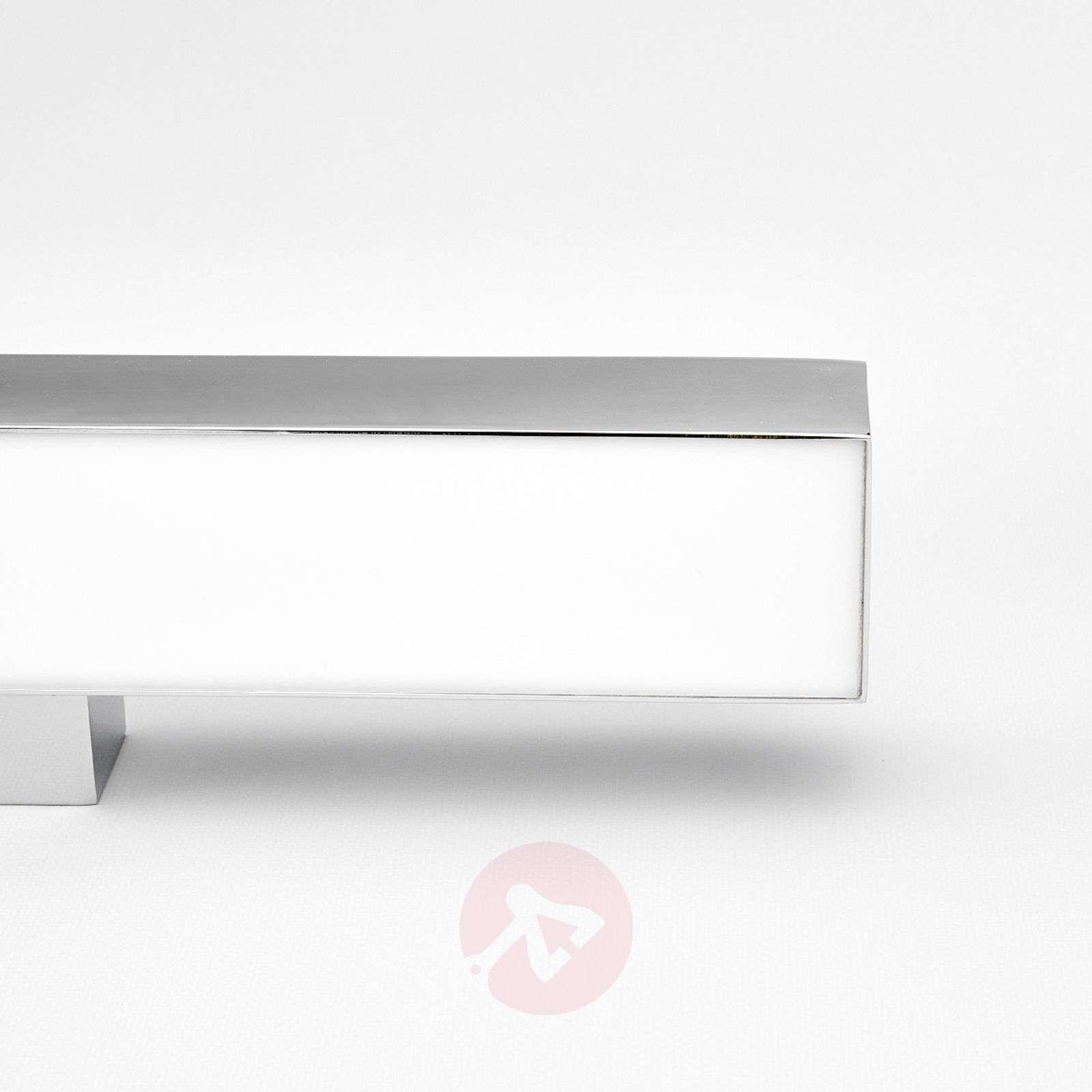 Kiana seinävalaisin LED-valolla kromisena-9641030-01