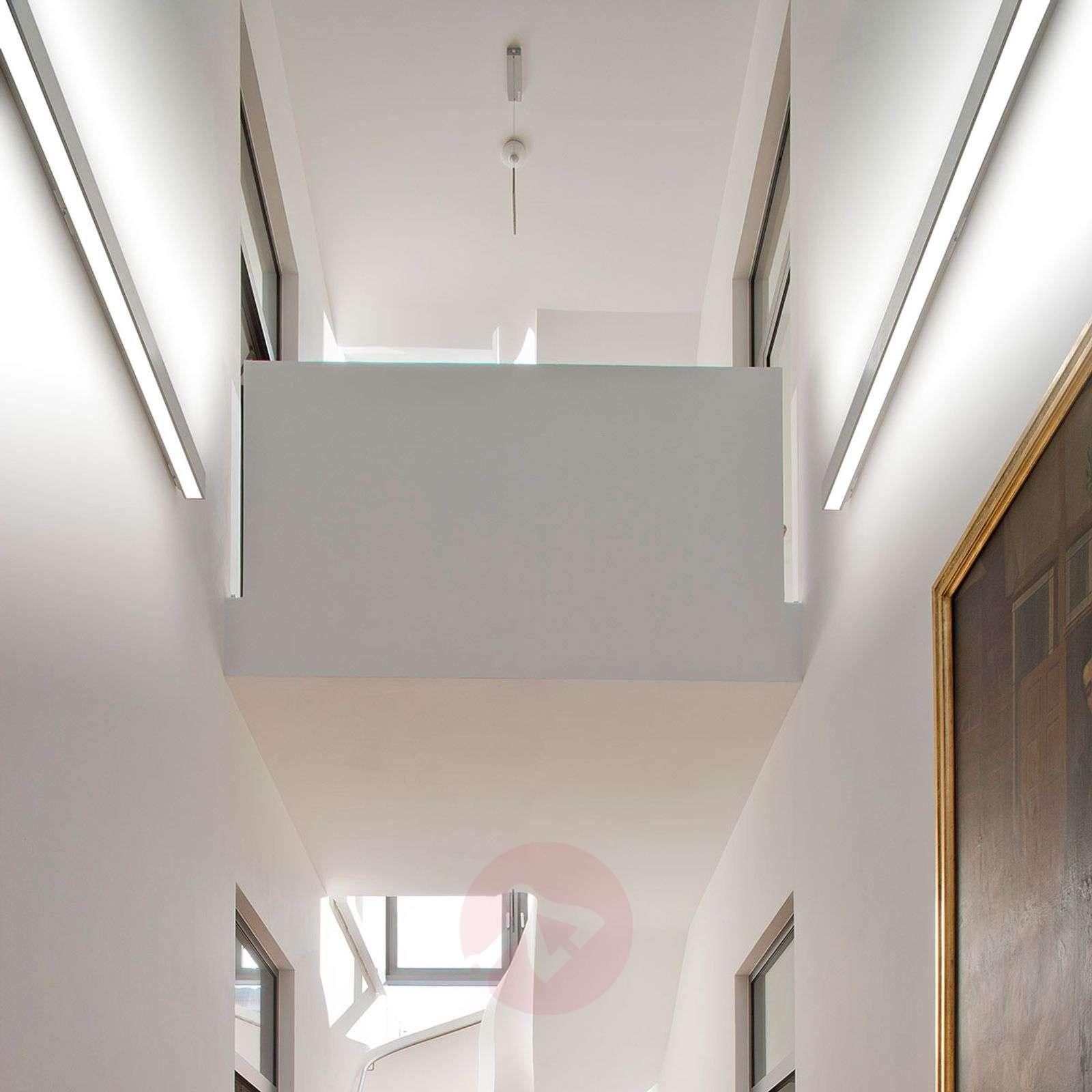 Kirkkaasti valaiseva LED-seinävalaisin LIPW075-6067045X-01