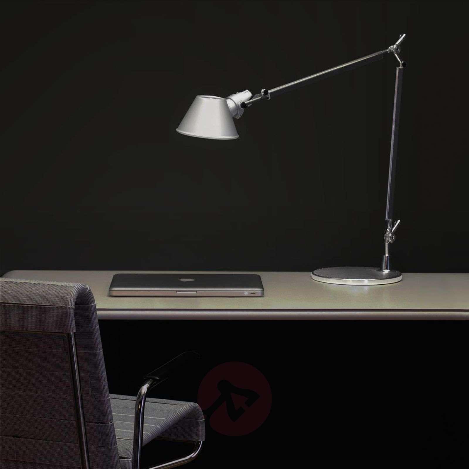 Klassinen design-pöytävalaisin Tolomeo Tavolo-1060072-01