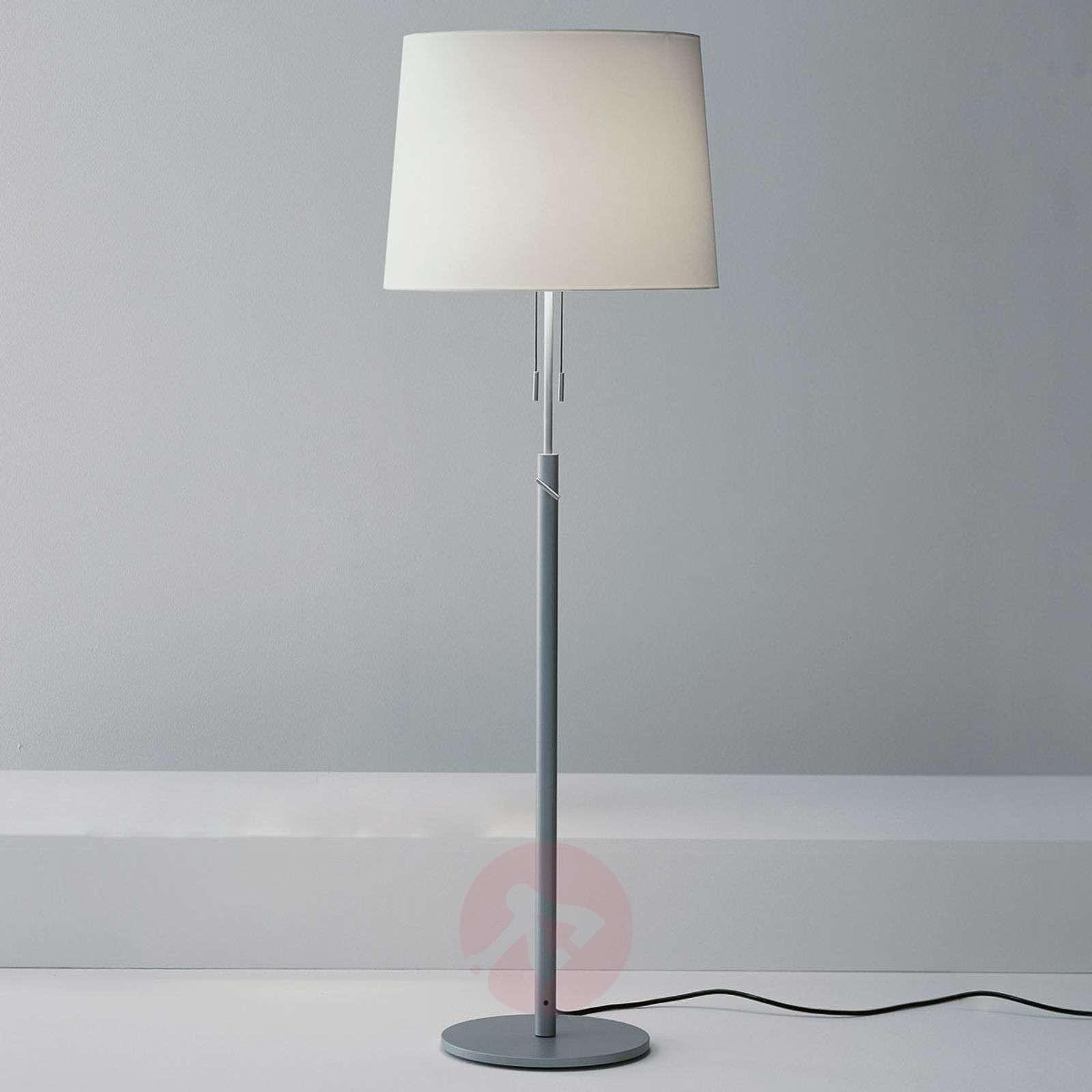 Klassisen elegantti lattiavalaisin Para-1071059X-01