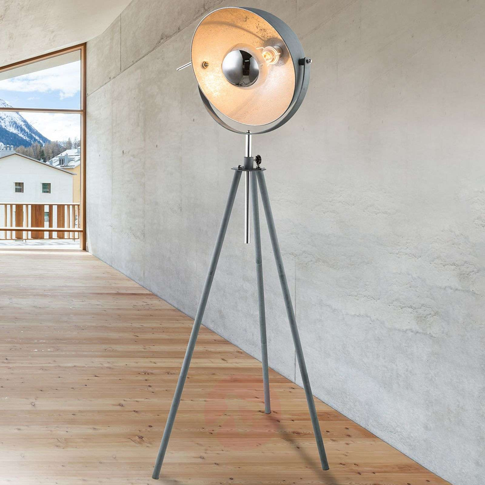 Kolmijalkainen lattiavalaisin Miriam, betonityyli-4015069-01