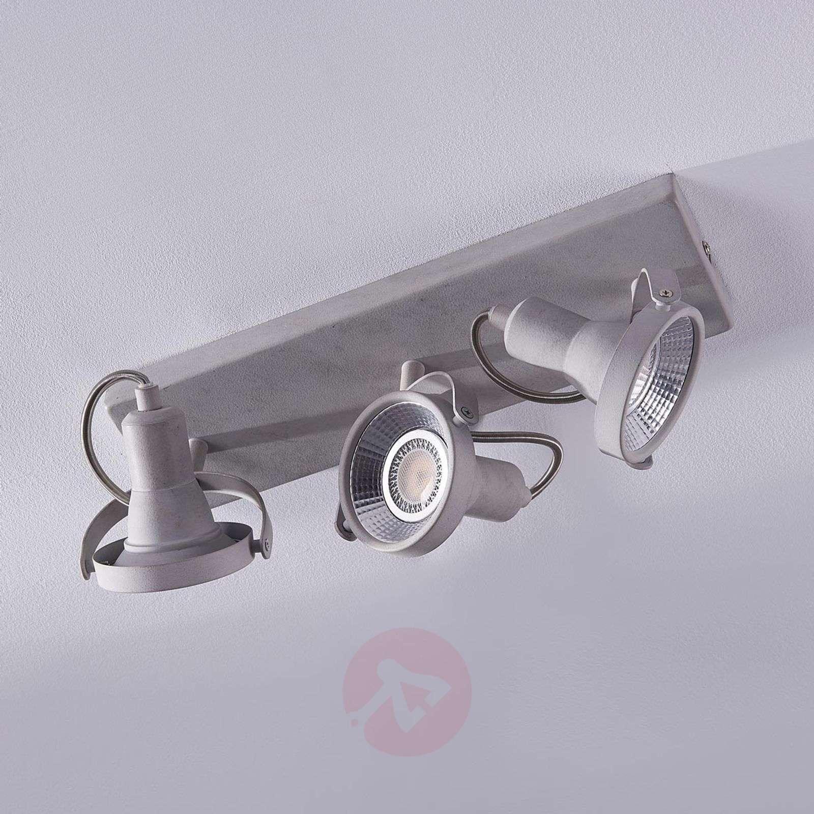Kolmilamppuinen-LED-kattospotti Pieter-9620736-04