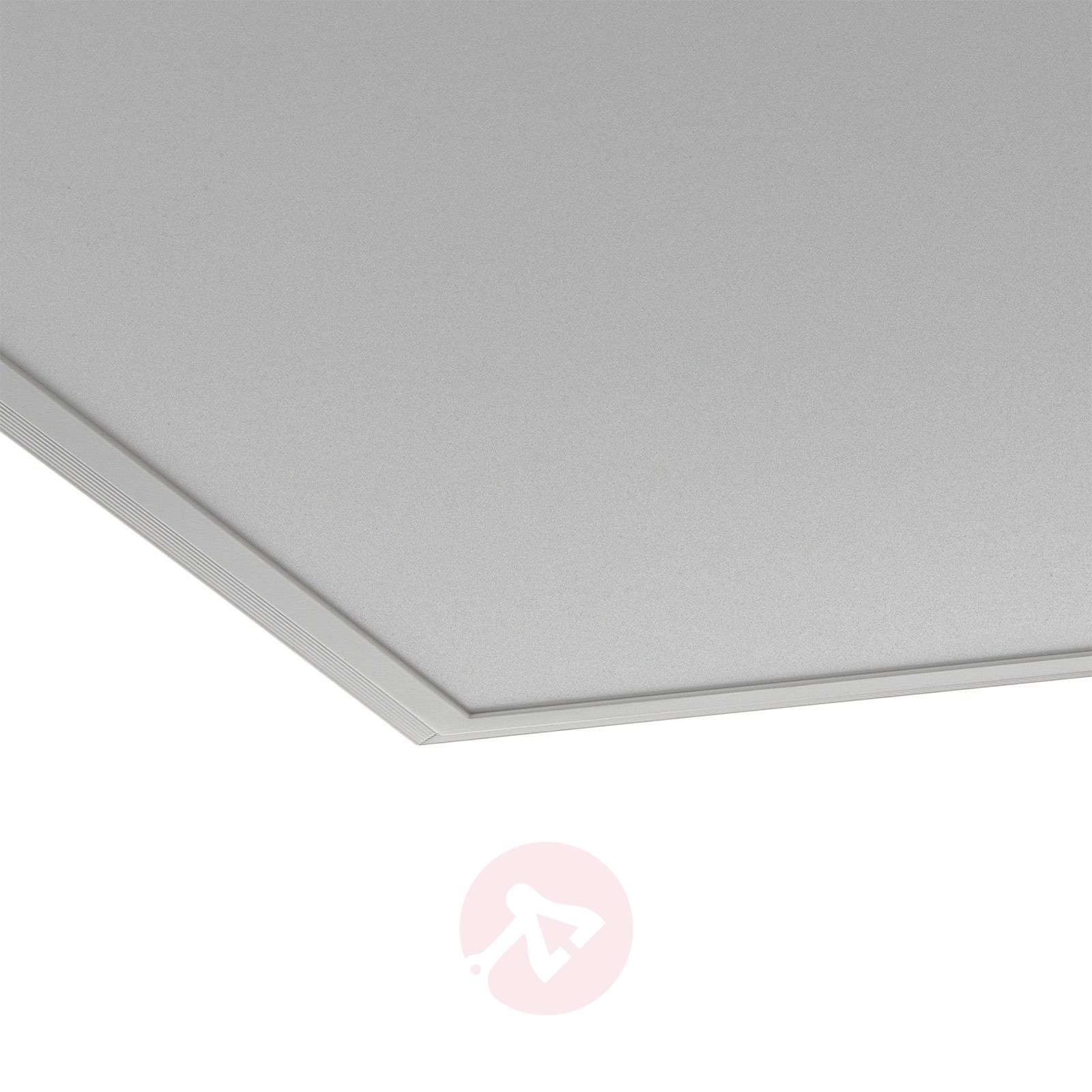 Kulmikas ohjattava Salobrena-Connect-LED-paneeli-3032051-01