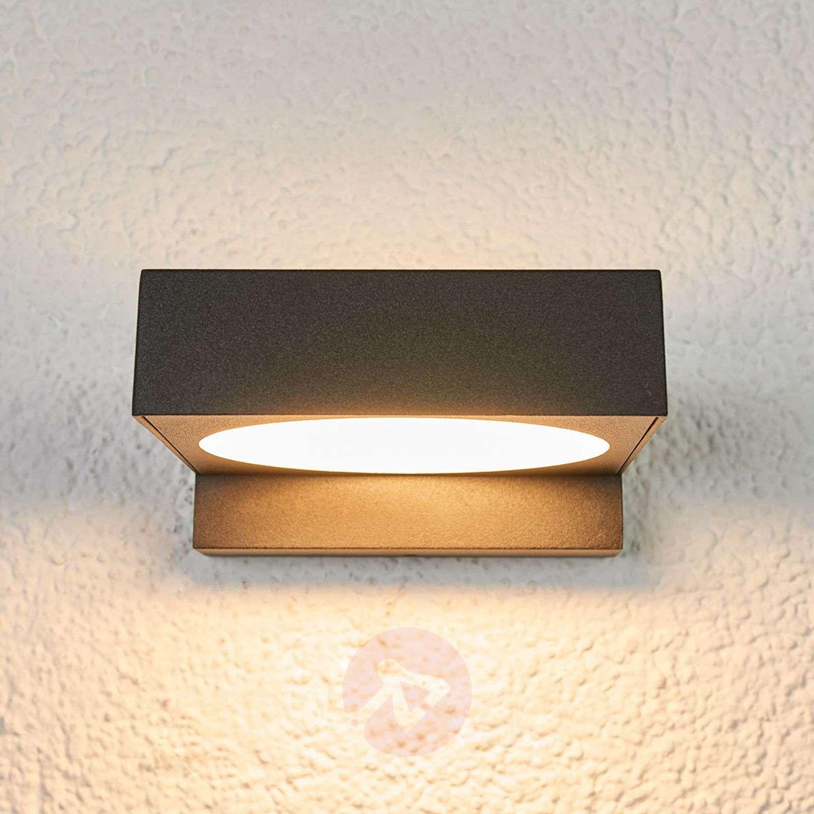 Kylpyhuoneen musta LED-seinävalaisin Natalja-9967026-01