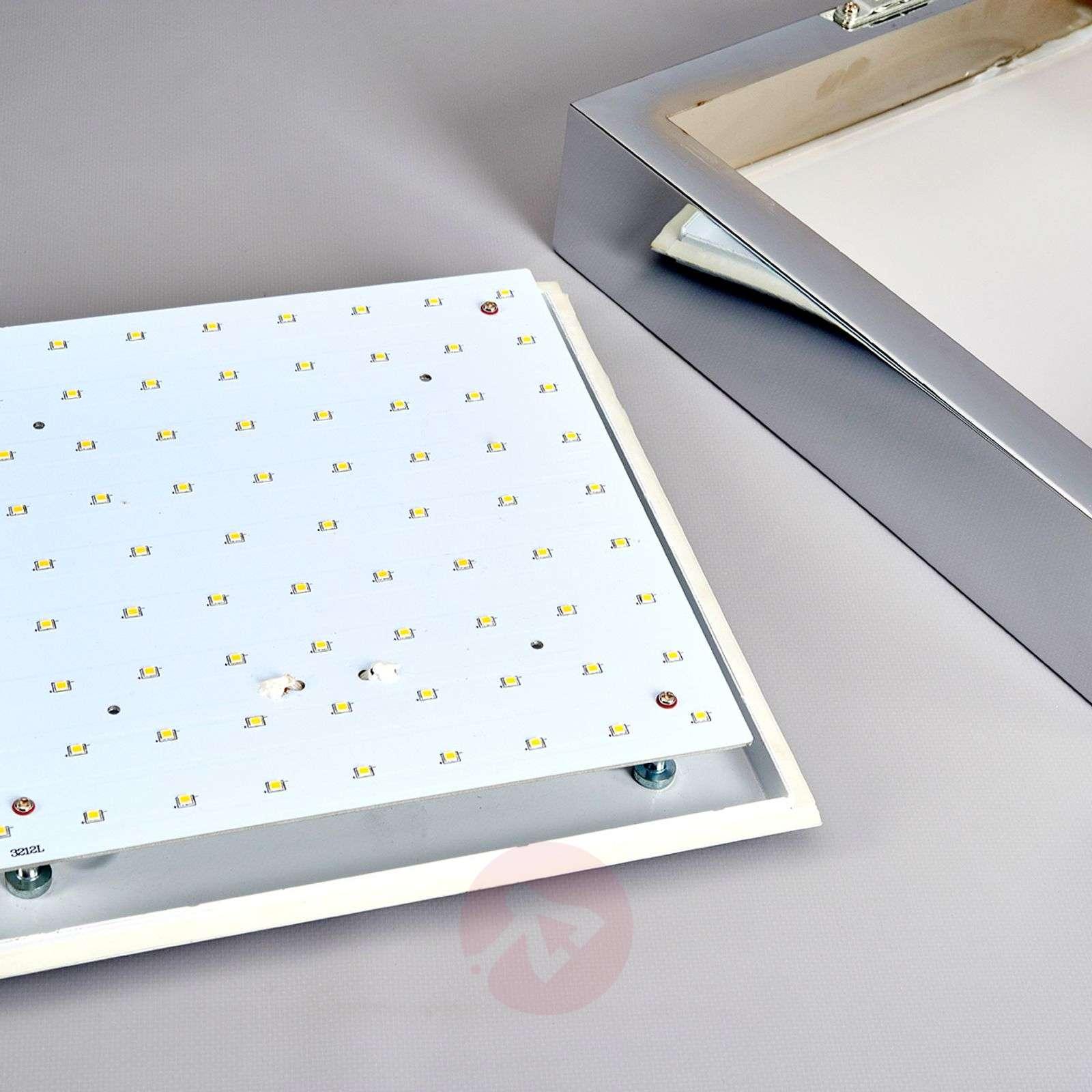 Kylpyhuonevalaisin Janna valkoisilla LED-valoilla-9641026-01
