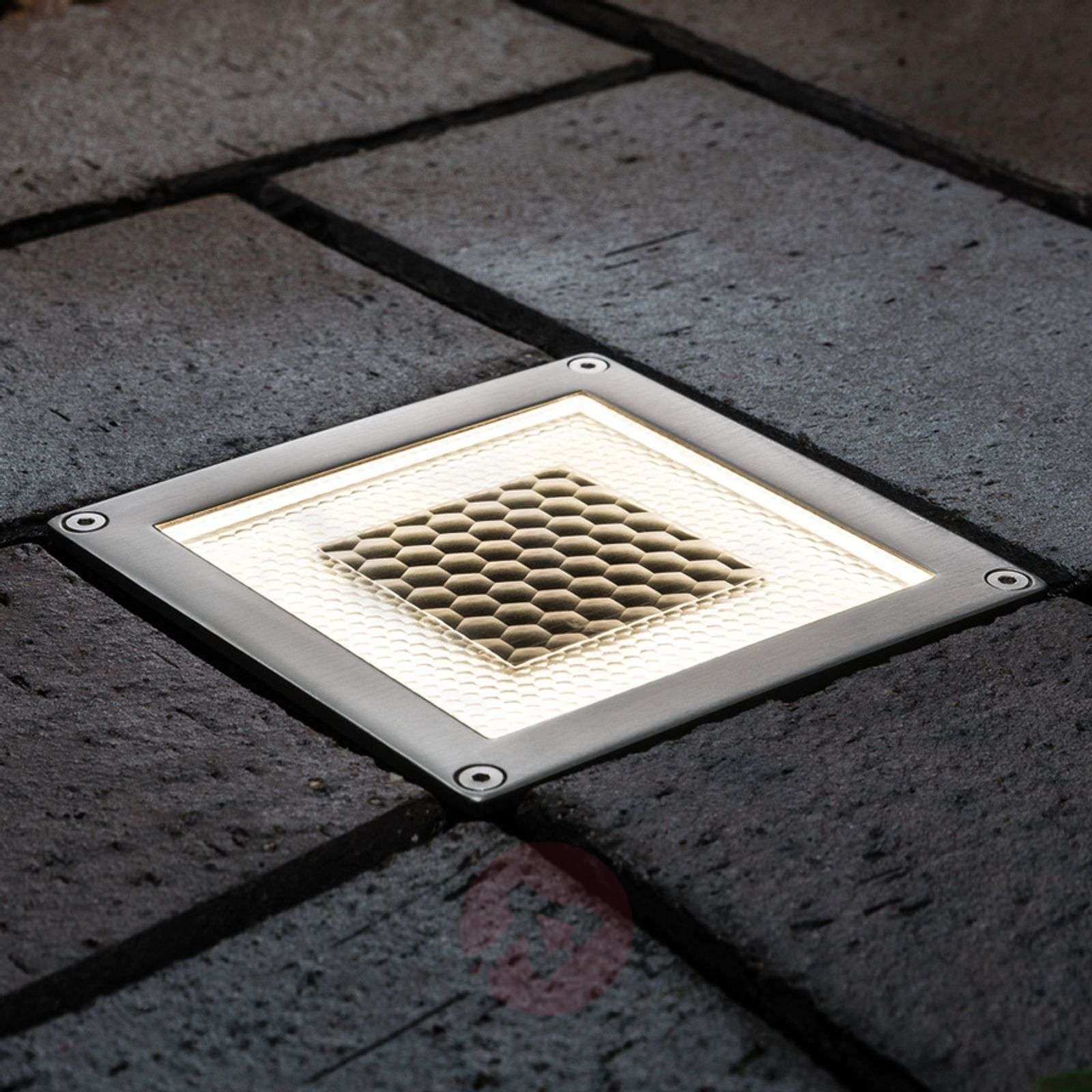 LED-maauppovalaisin Special Line Solar Cube