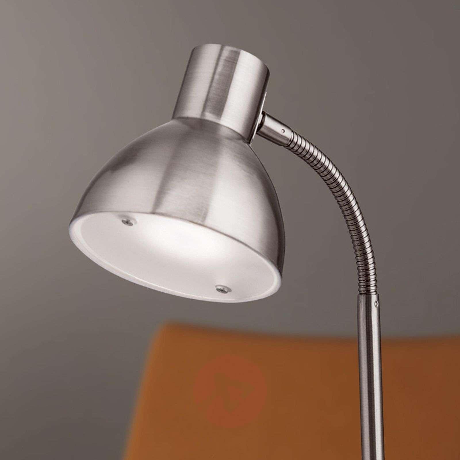 Mattanikkelin värinen Isra-LED-pöytävalaisin-7255047-01