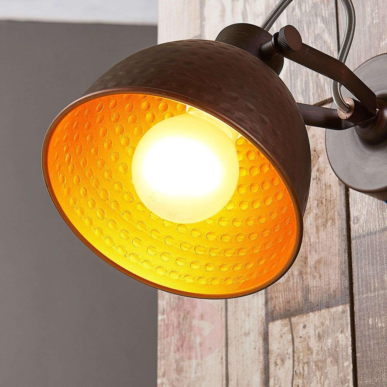 Mirielle ruskea seinävalaisin, sisältä oranssi-9621445-024