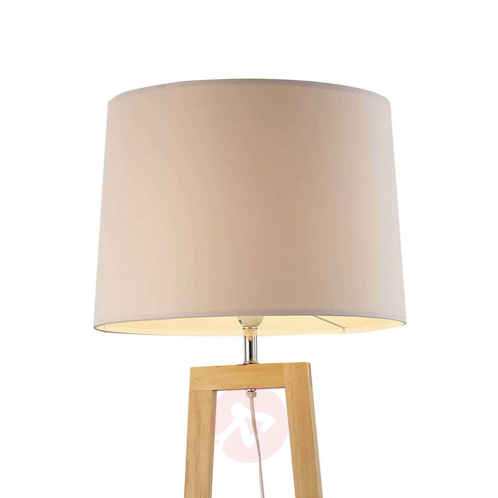 Moderni Bray-lattiavalaisin vaaleaa tammea-7007641-01