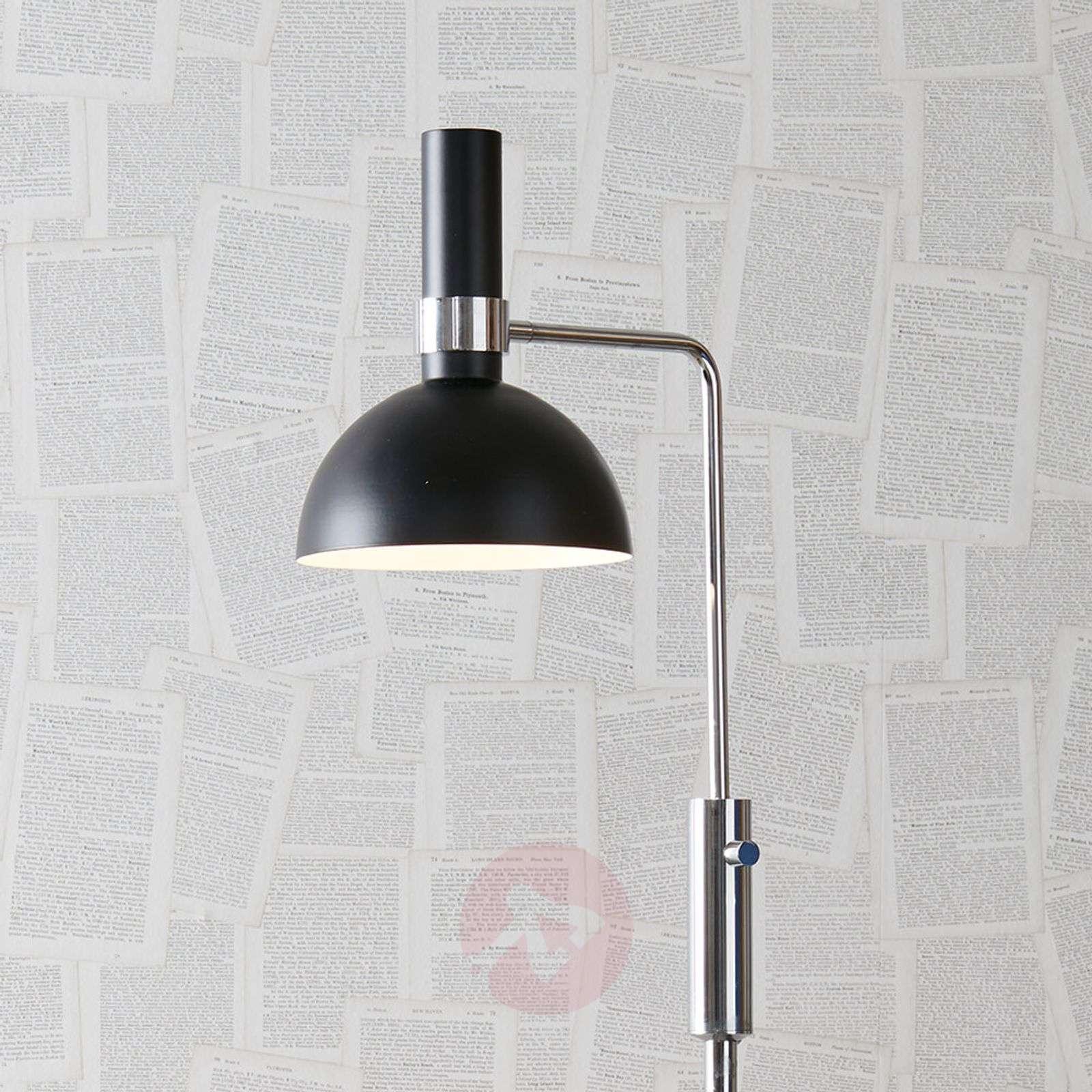 Moderni lattiavalaisin Larry kiertohimmentimellä-6506148-01