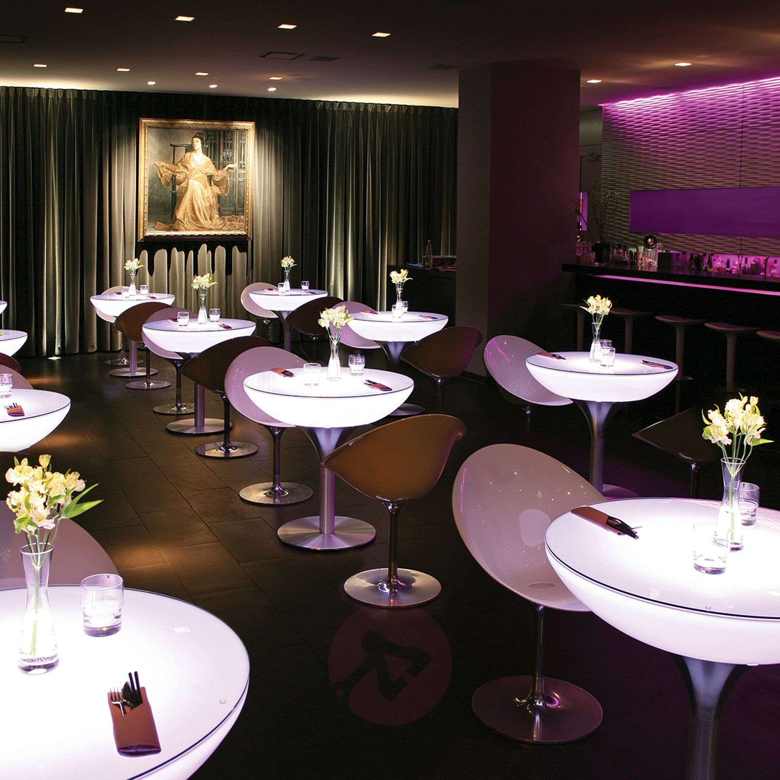 Monivärisesti valaiseva Lounge Table LED Pro-6537045X-01