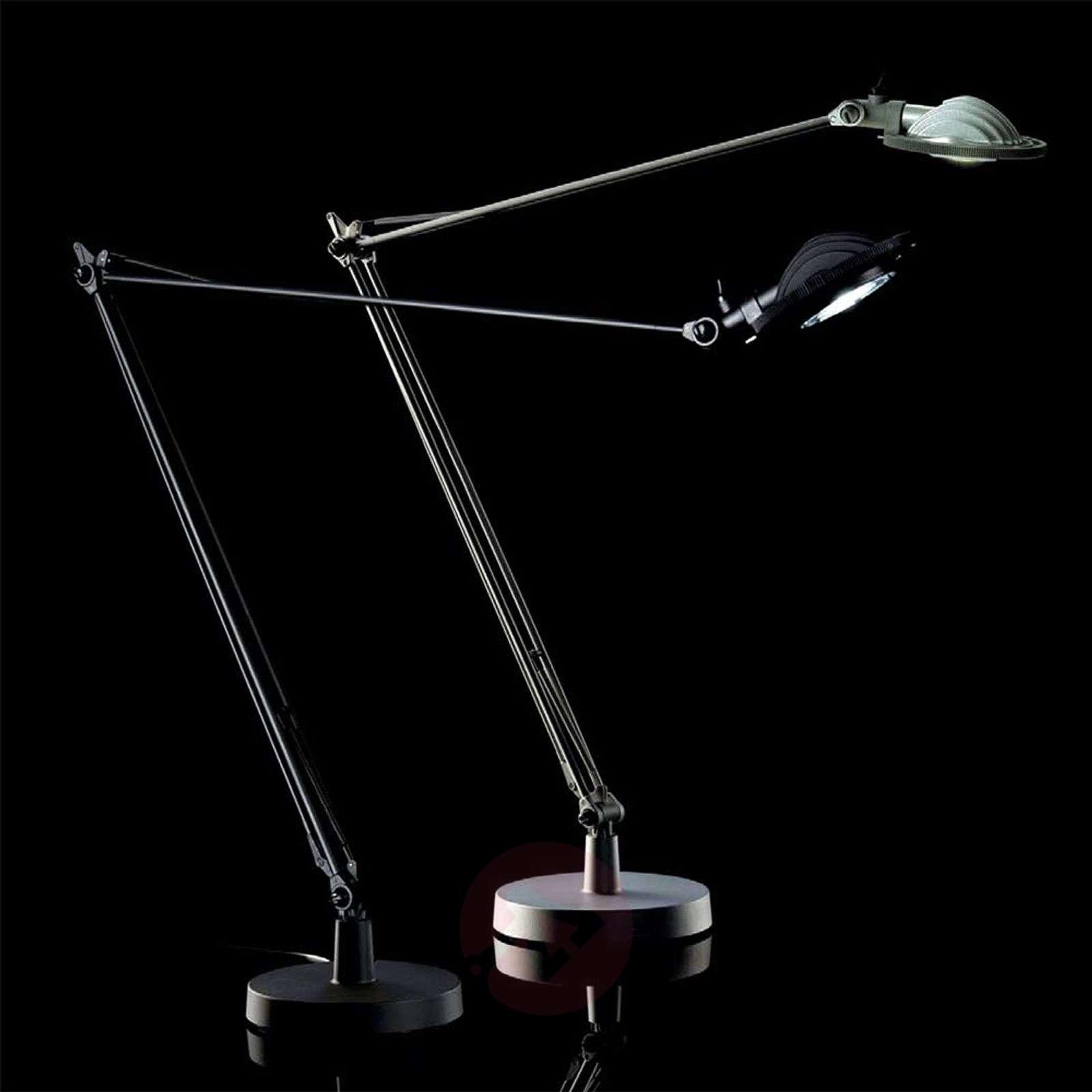Musta Berenice-LED-pöytälamppu-6030003-01