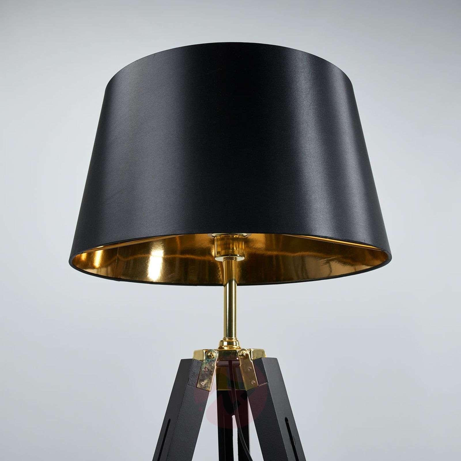 Musta Ellinor-lattiavalaisin, kolmijalkainen runko-8032110-02