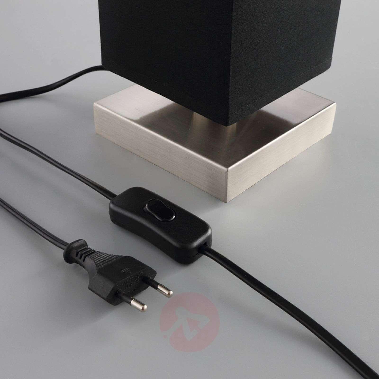 Musta kangaspöytävalaisin Martje, LED-lampulla-9620068-010