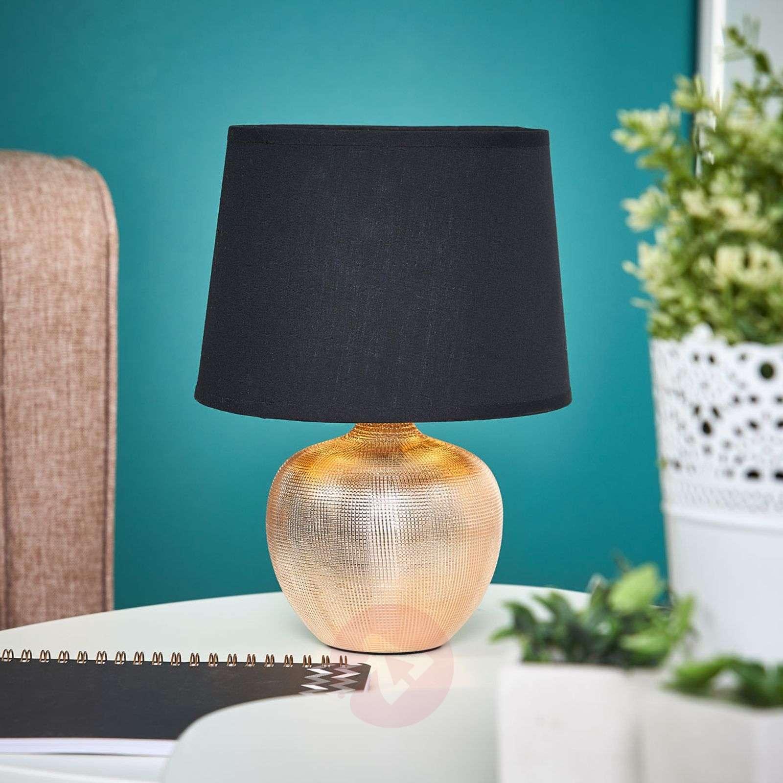 Musta-kultainen Thorina-pöytälamppu-8032095-02