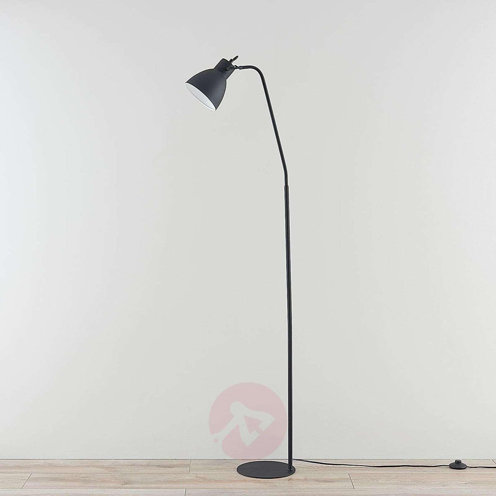 Musta metallinen lattiavalaisin Jamila, kytkin-9621705-03