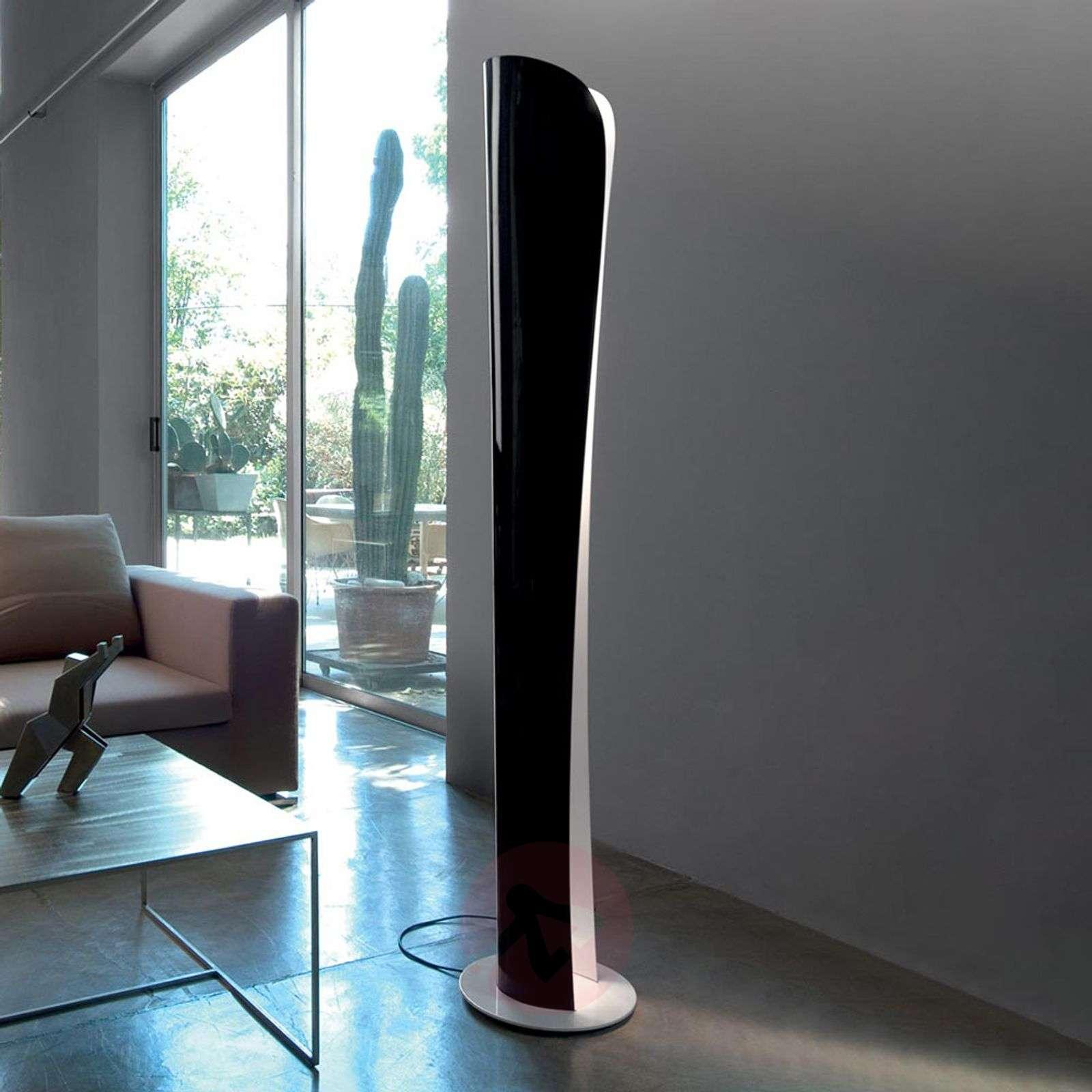 Mustavalkoinen LED-lattialamppu Cadmo, 2700 K-1060029-01