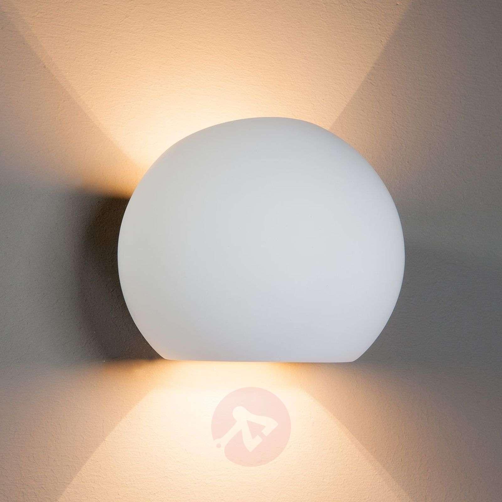 Pallon muotoinen kipsi-halogeeni-seinälamppu Elina