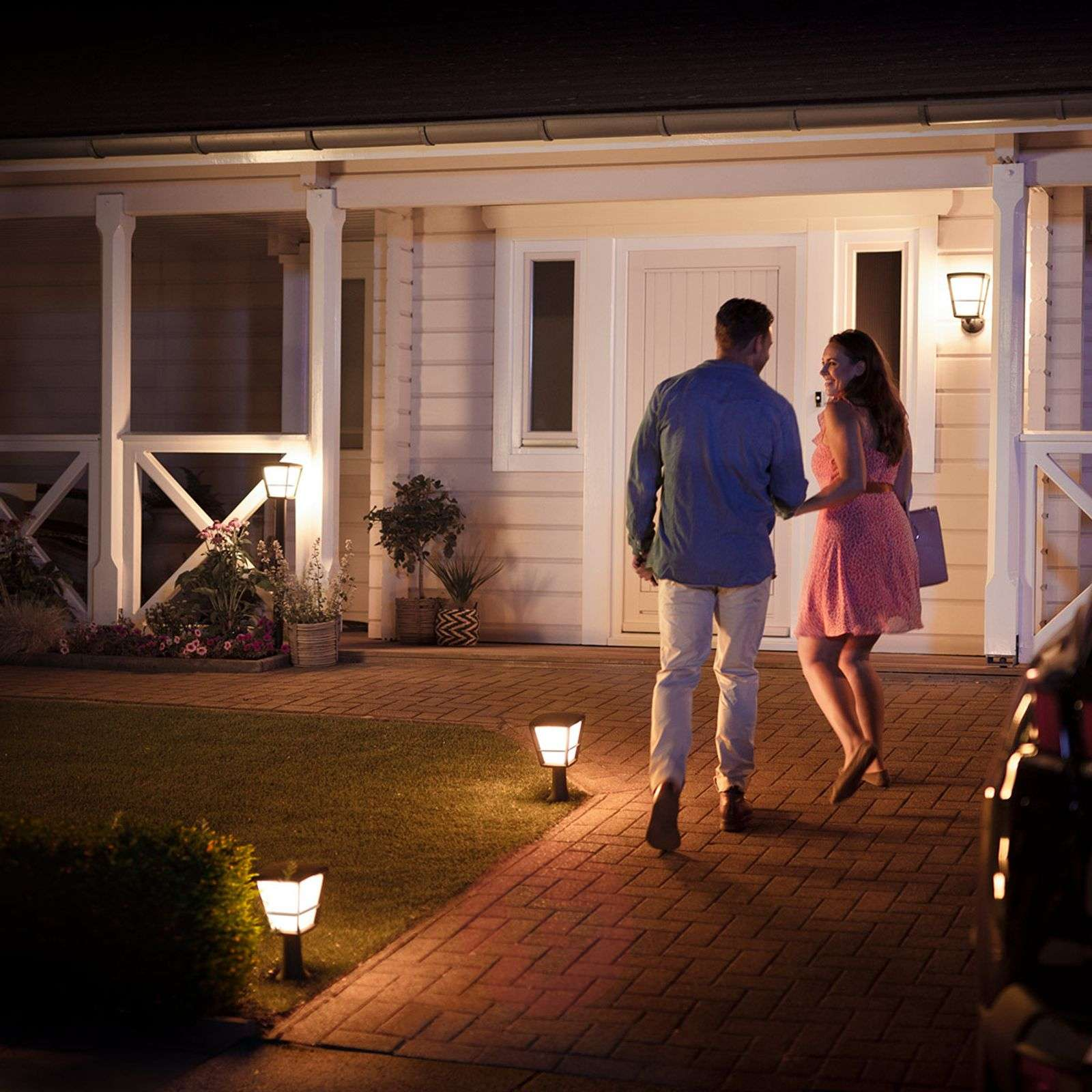 Philips Hue White+Color Econic LED-pollarivalaisin-7534119-02