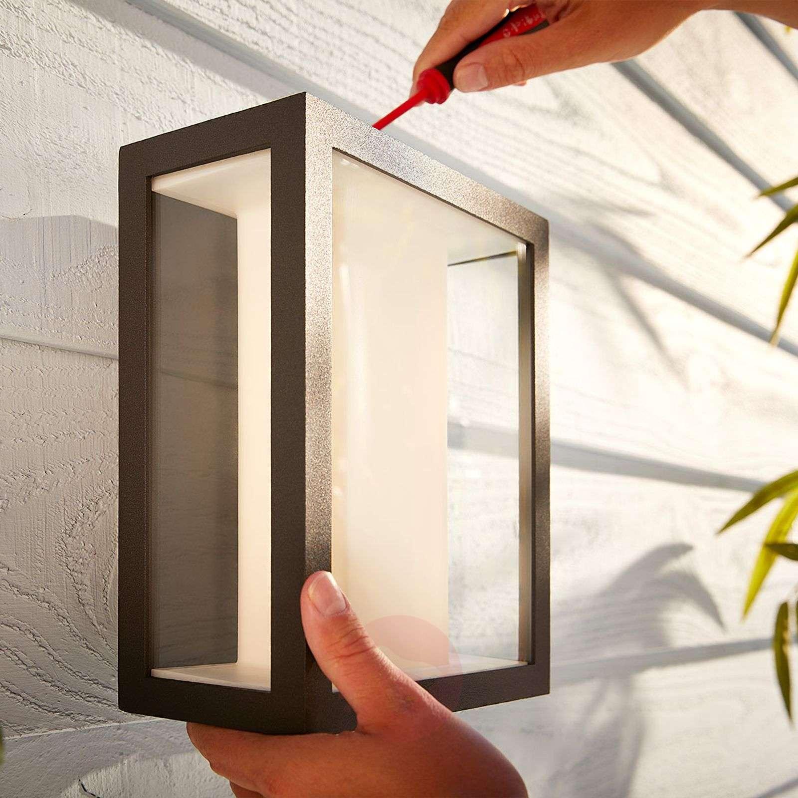 Philips Hue White+Color Impress seinävalo leveä-7534109-03