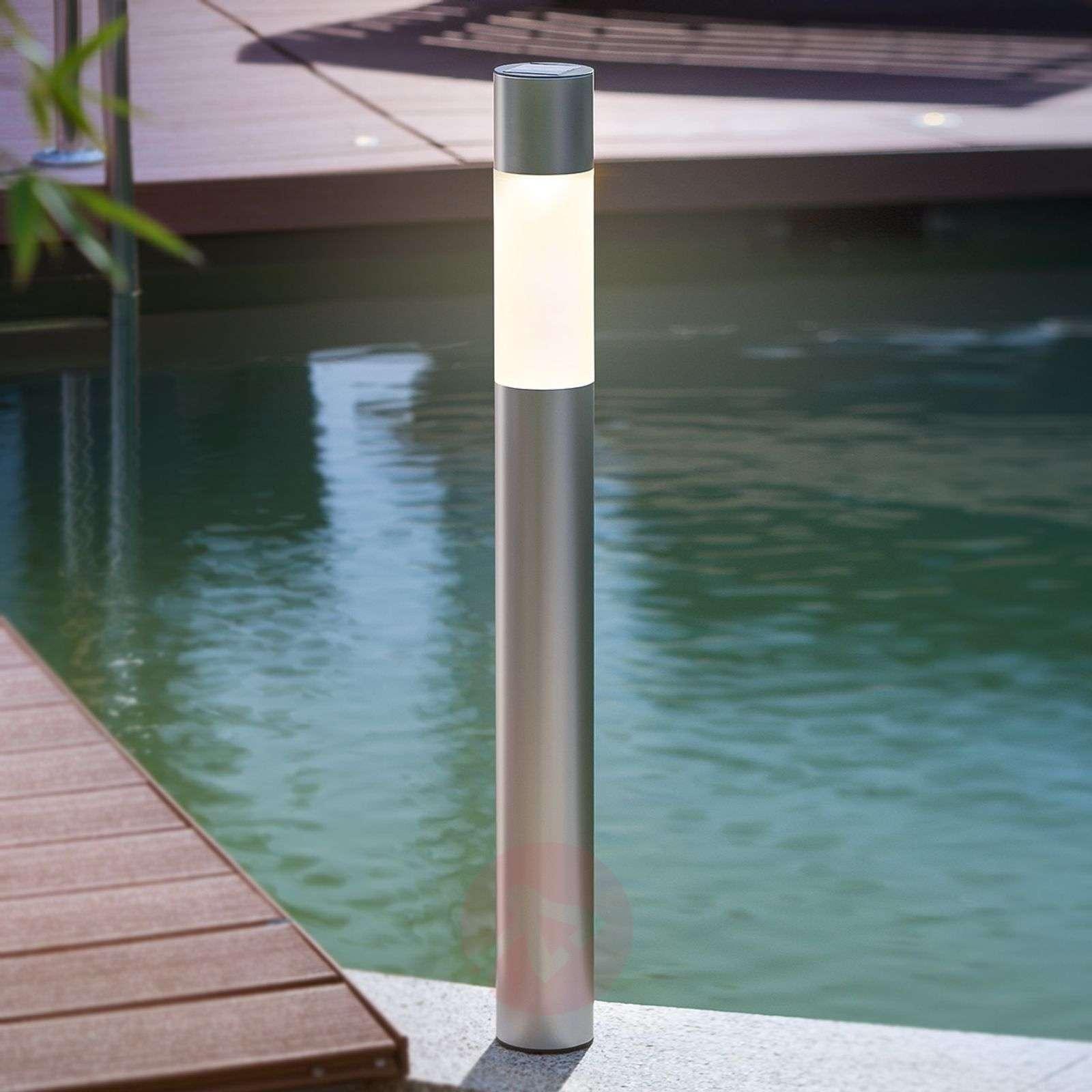 Pole Light-pylväsvalaisin aurinkokennolla LED-3012232-01