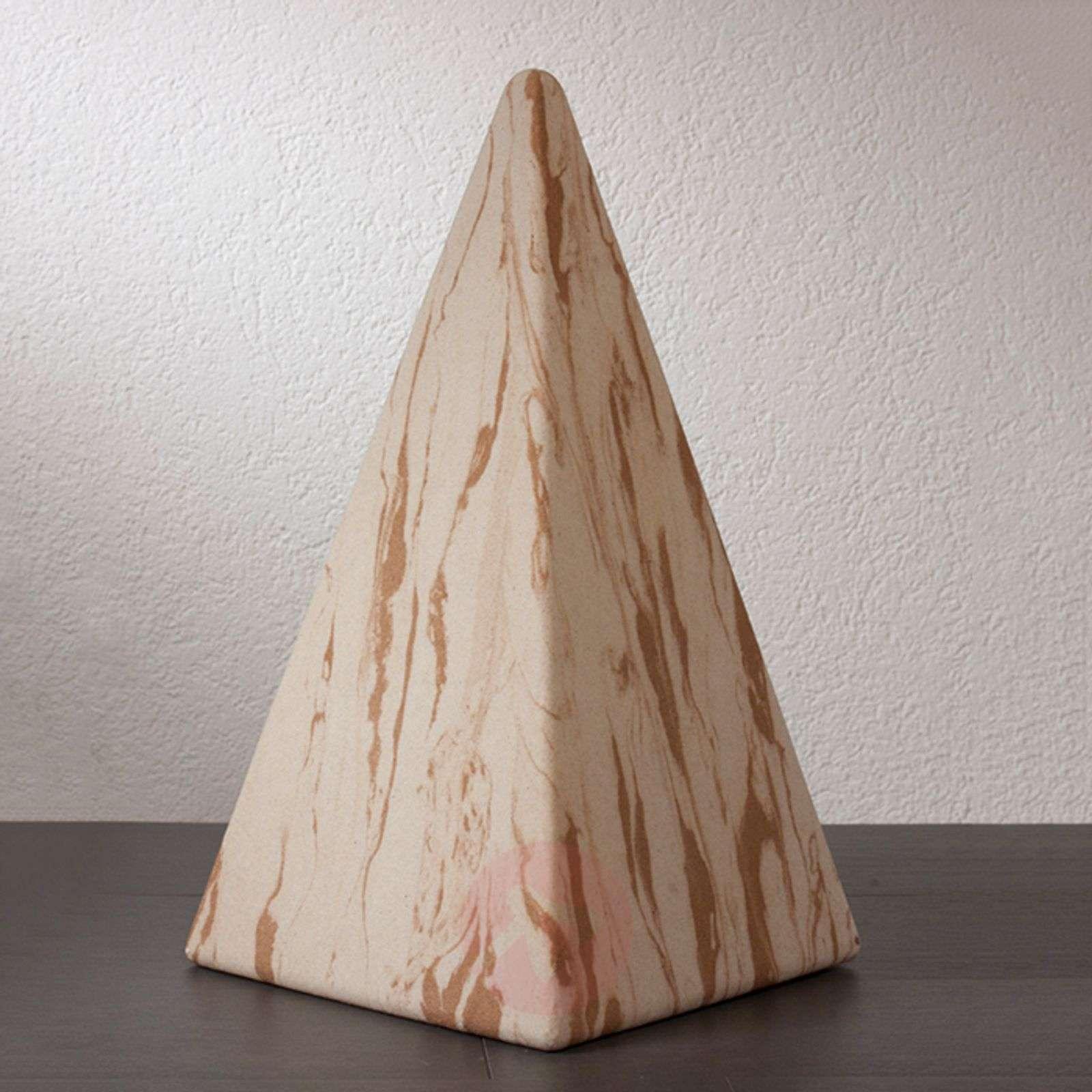 Pyramidi Sahara kumialustalla-3050080X-01