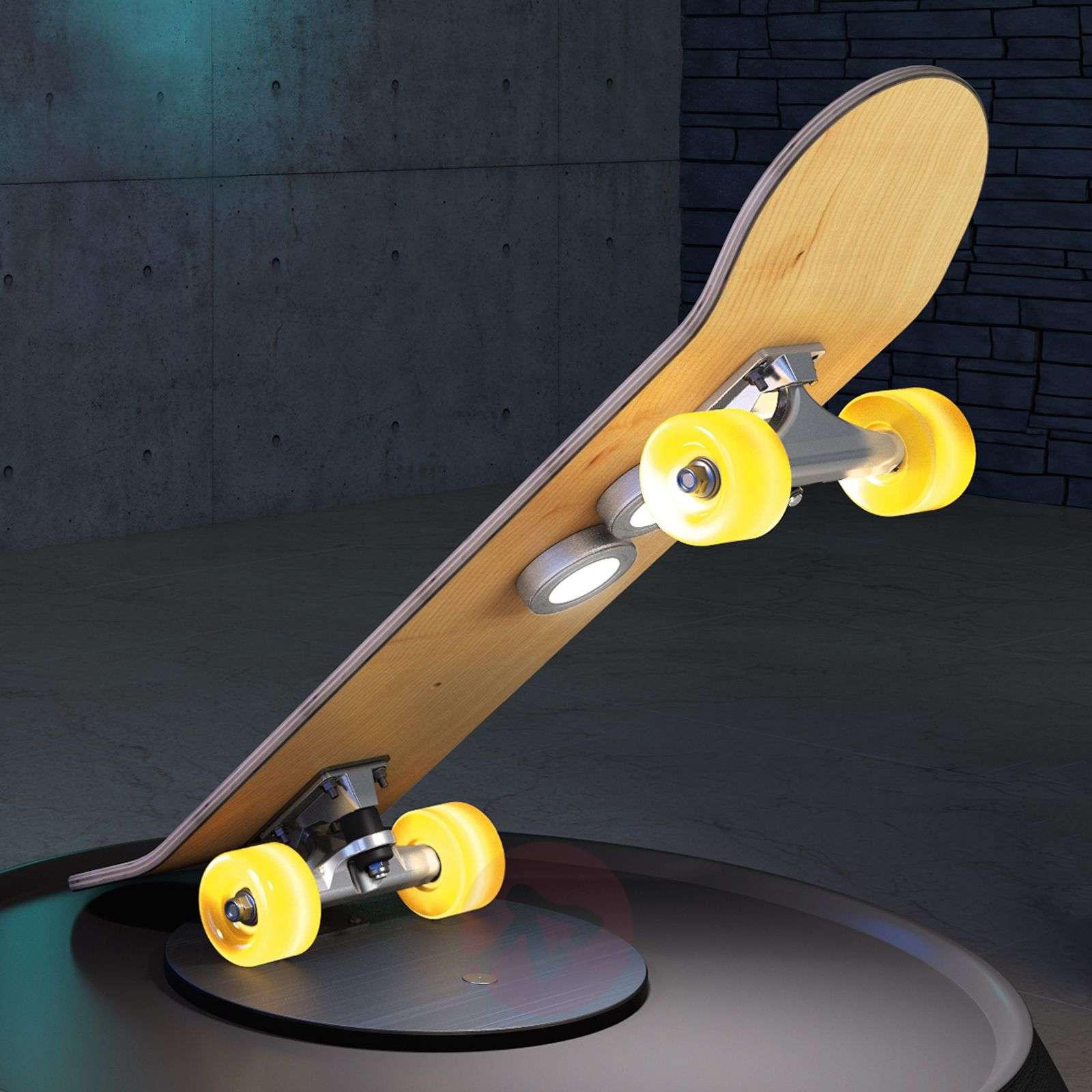 Rullalautamainen Light Cruiser-LED-pöytävalaisin-3025312-01
