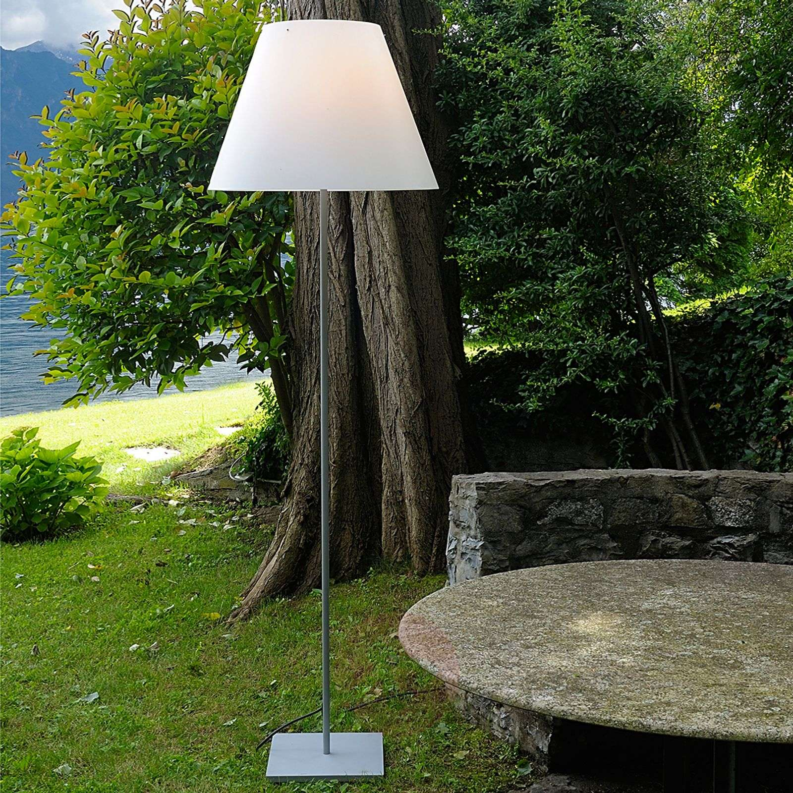 Suuri lattiavalaisin Grande Costanza Open Air-6030173-01