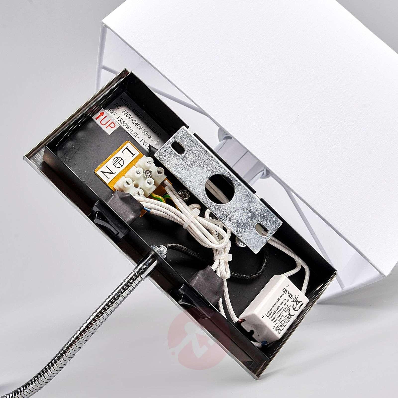 Tamara-kangasseinävalaisin LED-joustovarrella-9976011-01