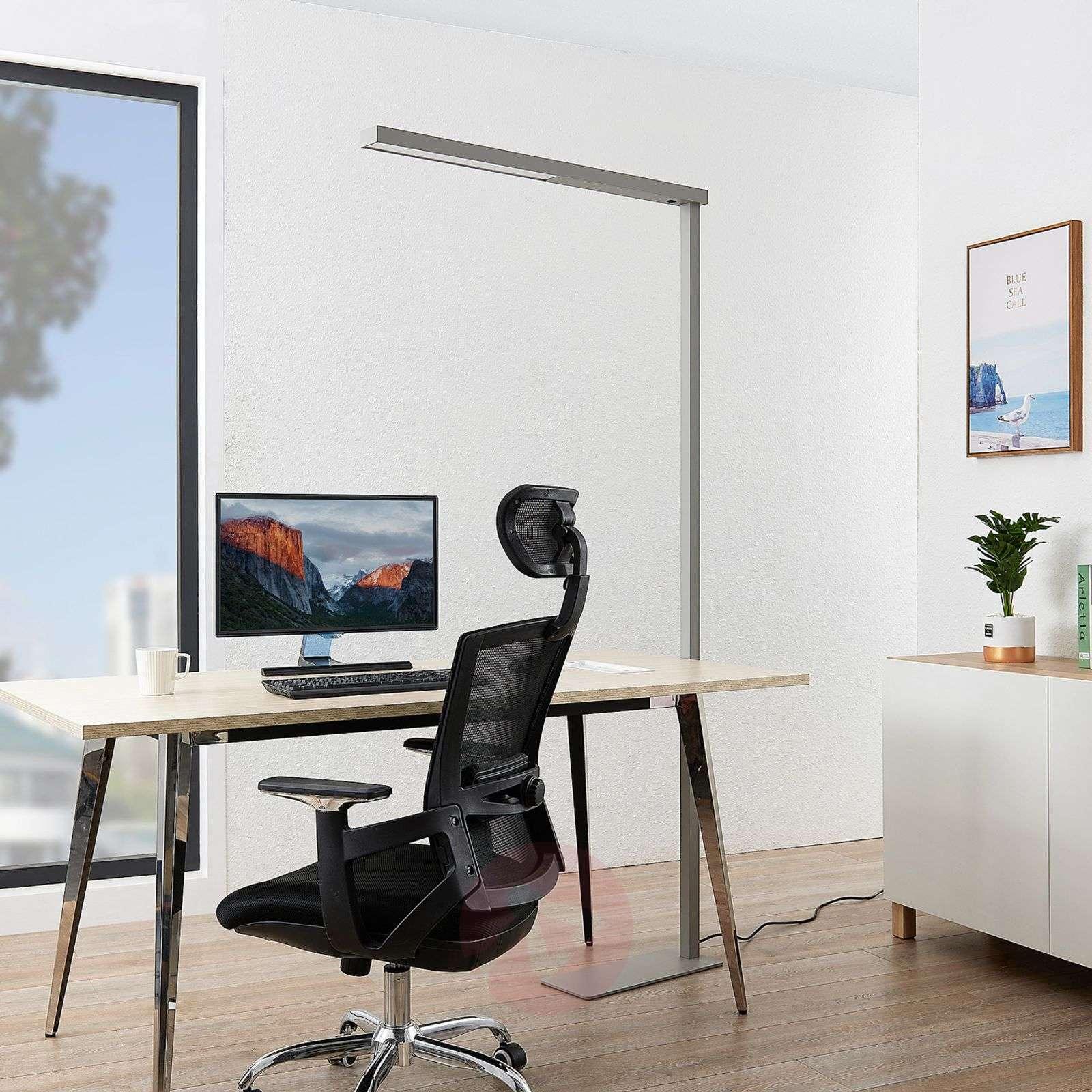 Tamilo hopeanvärinen toimisto-lattialamppu-9968030-02