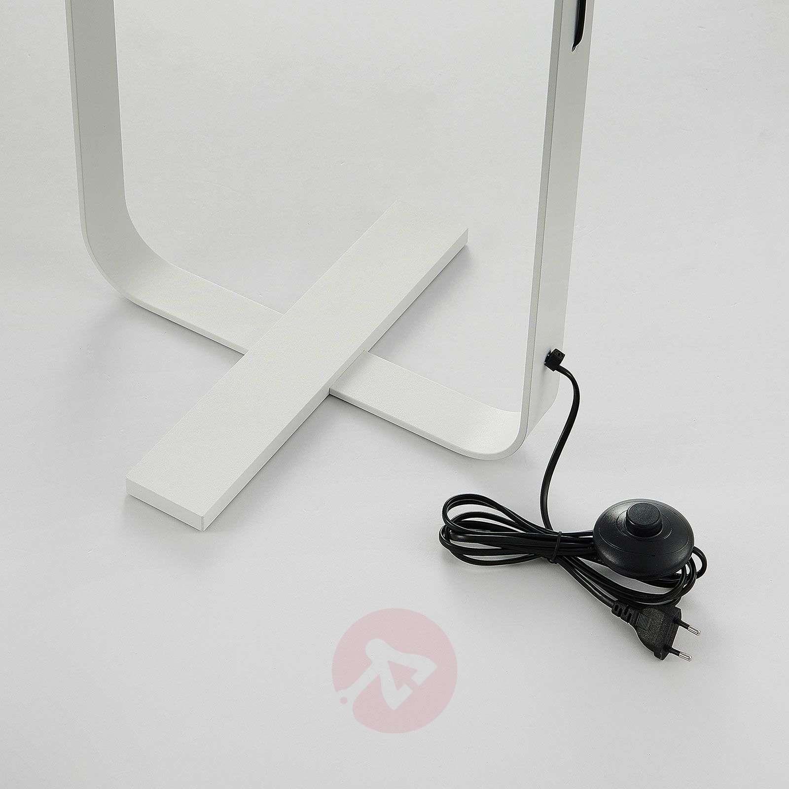 Tekstiililattiavalaisin Tarika valkoisena-9976106-02