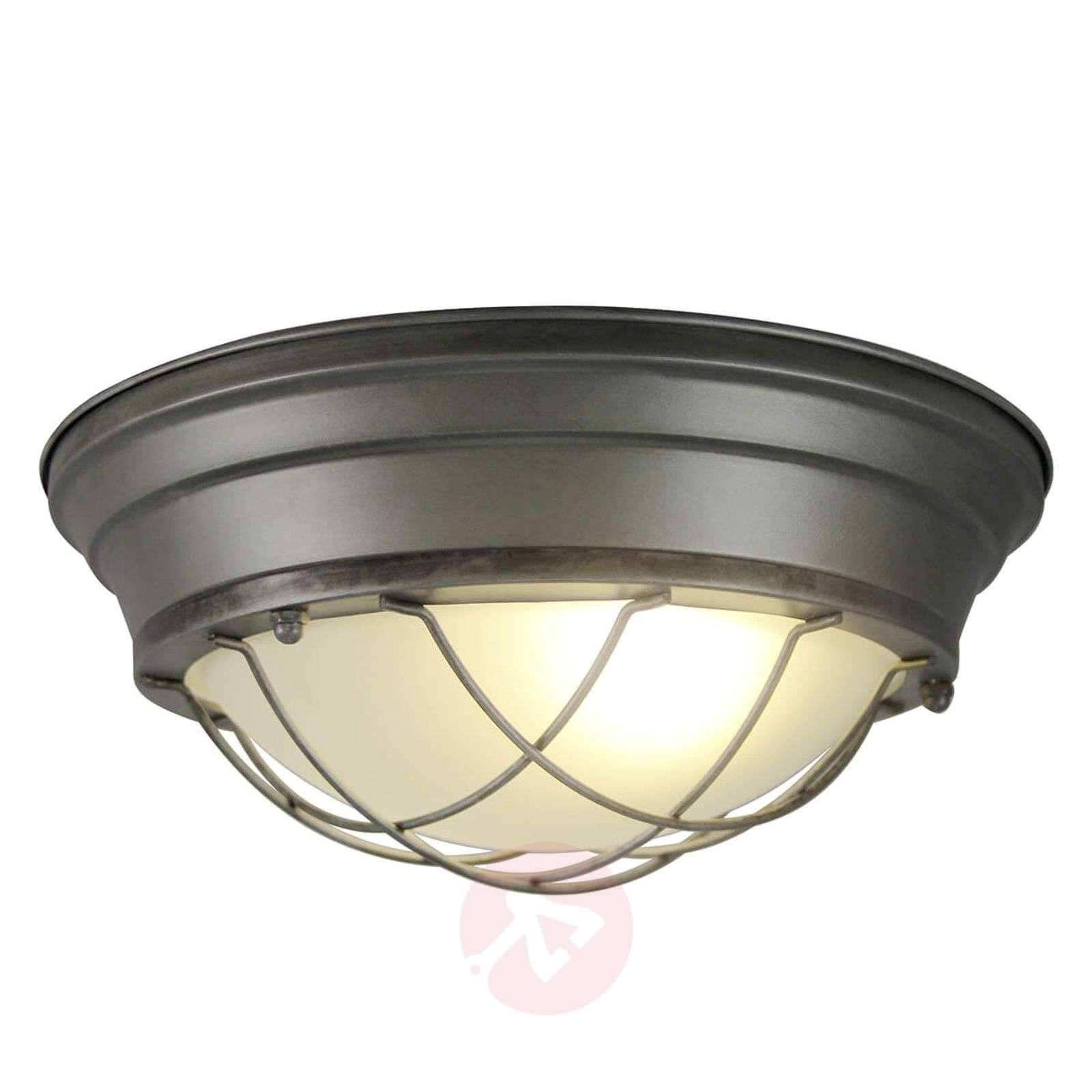 Typhoon-kattovalaisin häikäisemättömällä valolla-1509380-01