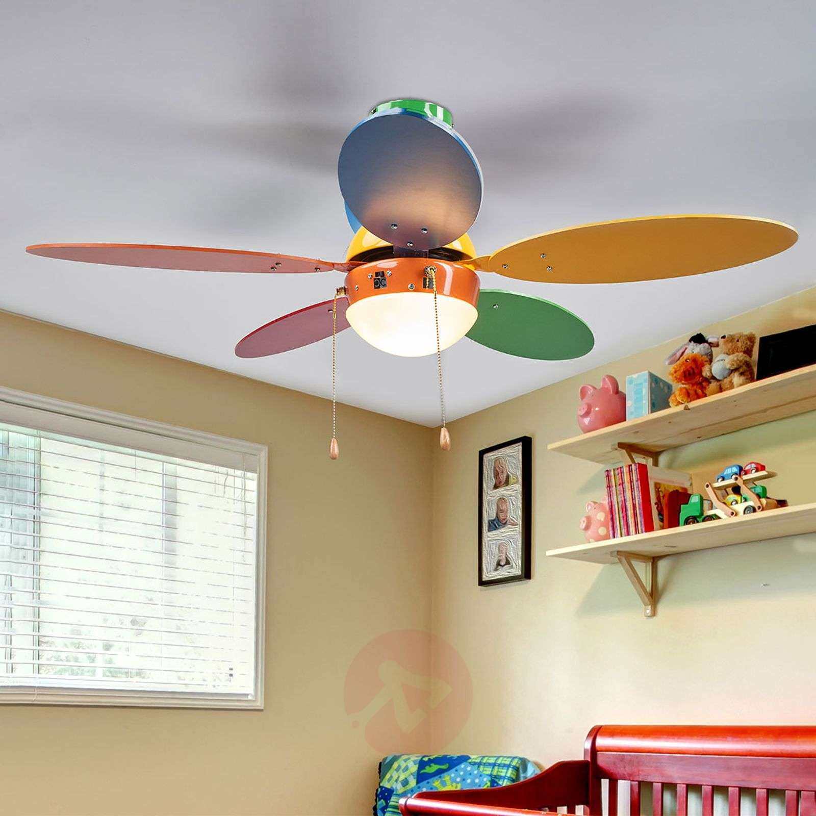 Värikäs ja valaistu kattotuuletin Corinna-4018100-012
