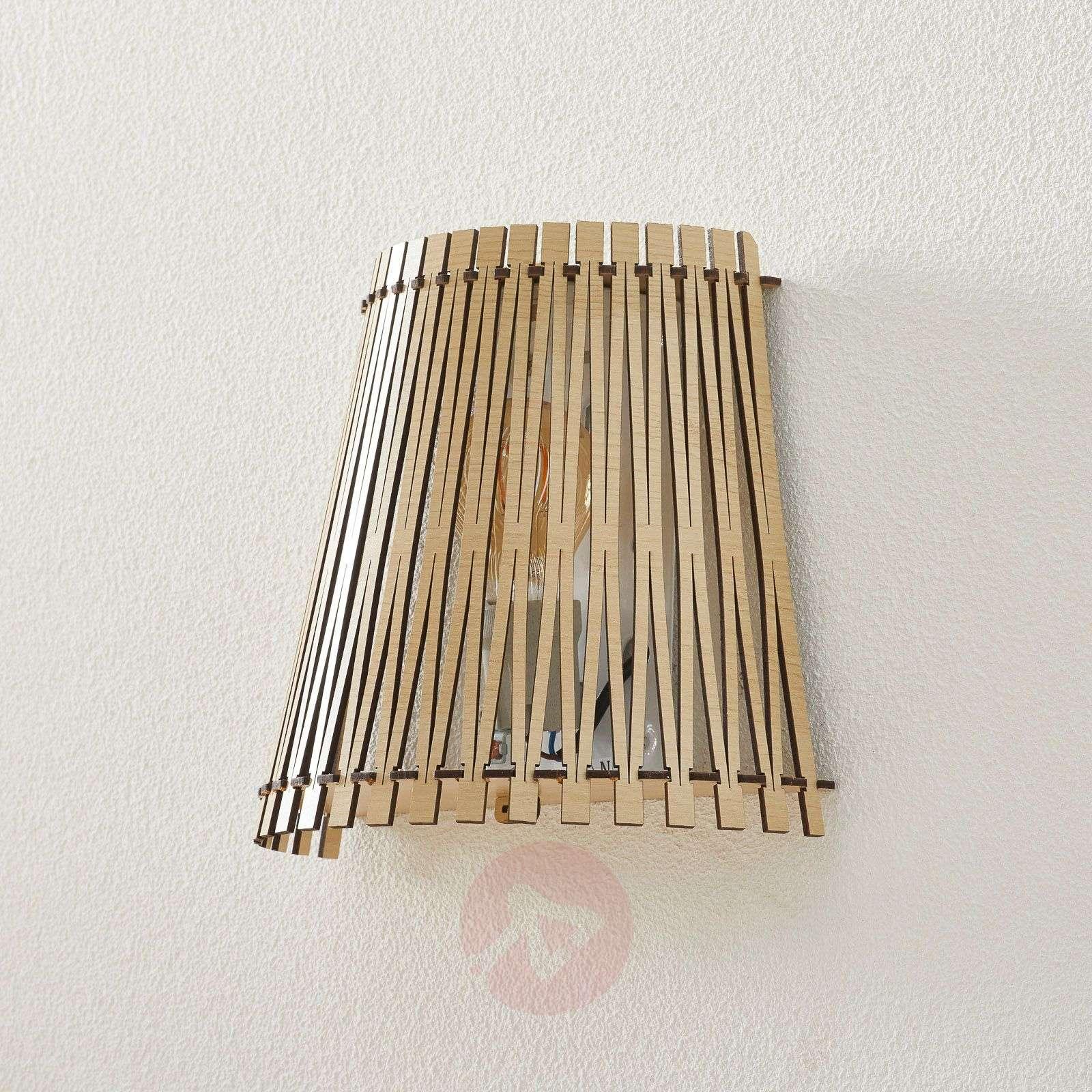 Vaikuttava puinen seinävalaisin Sendero-3031913-01