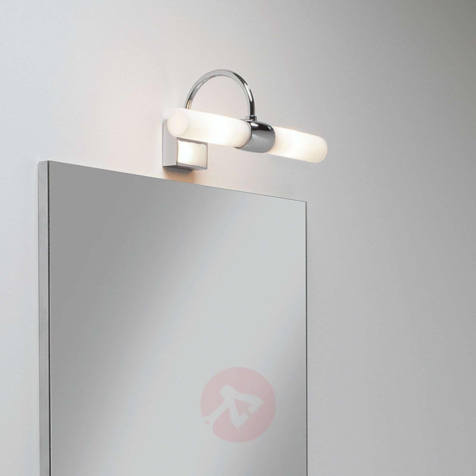 Valkoinen DAYTON-seinävalaisin peilille-1020020-02