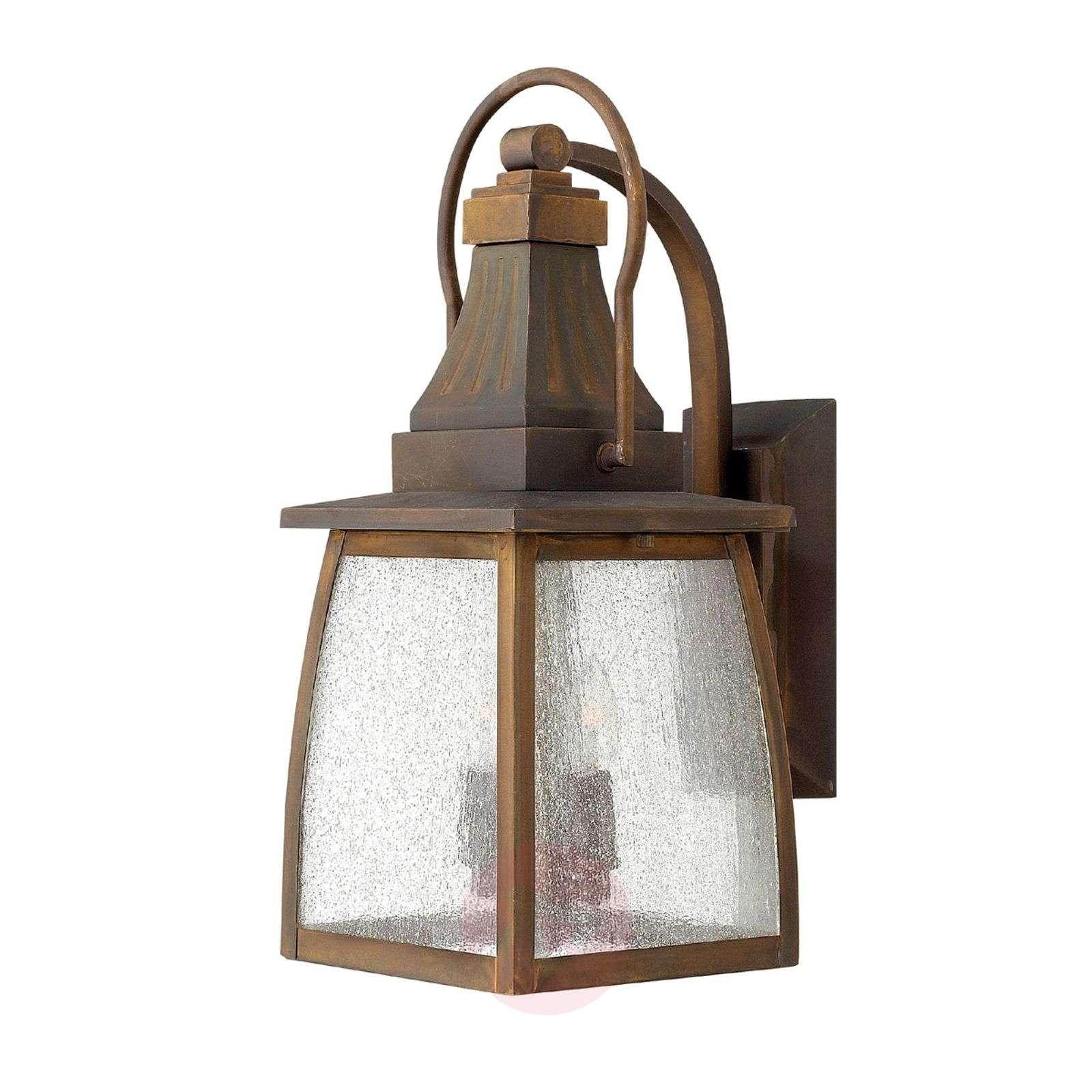 Vankka messinkinen 2 lampun MONTAUK-seinävalaisin