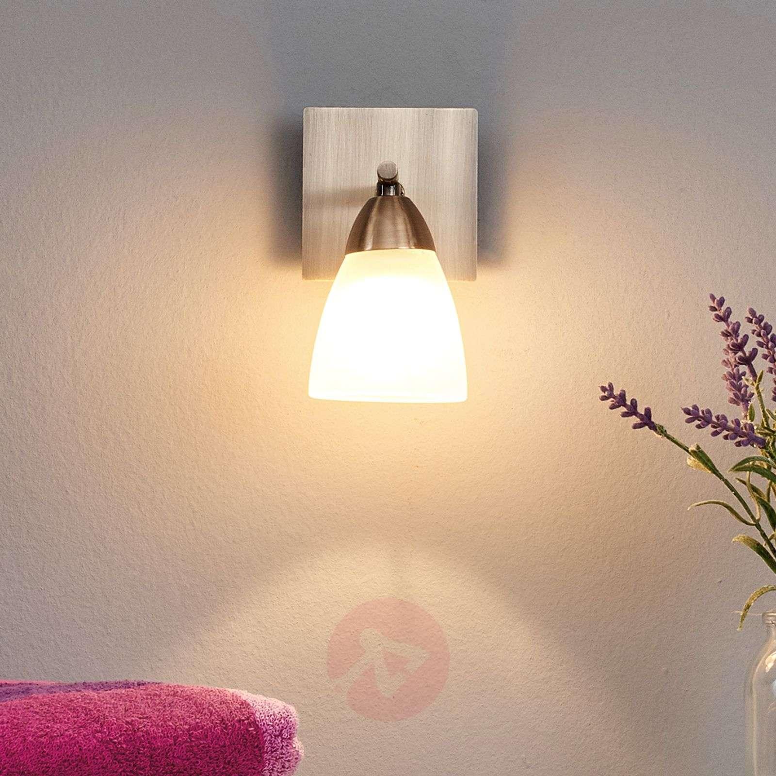 Yksilamppuinen Nikla-kylpyhuonevalaisin-9970036-01