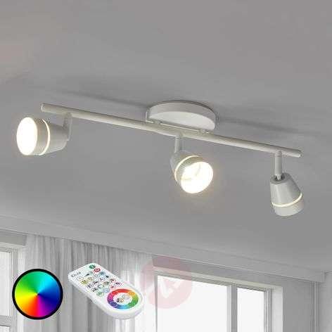 3-lamppuinen LED-kattospotti Ivory kaukosäätimellä