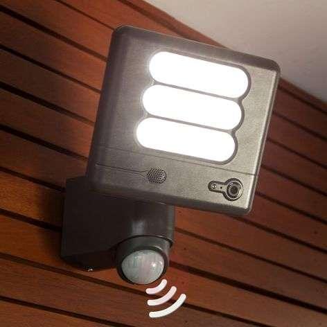 Esa Cam - LED-seinävalaisin ja valvontakamera