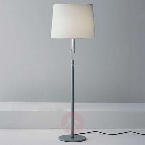 Klassisen elegantti lattiavalaisin Para-1071059X-31