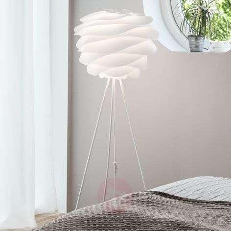 Kolmijalkainen lattiavalaisin Carmina valkoinen