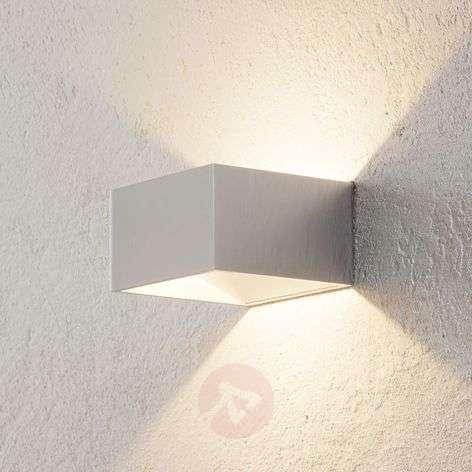 Krominvärinen LED-seinävalaisin Cube