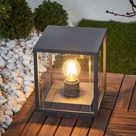 Kulmikas Annalea-pollarilamppu lasilevyillä