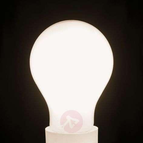 LED-lamppu E27 7W lämmin valkoinen, 870 lm, himm.